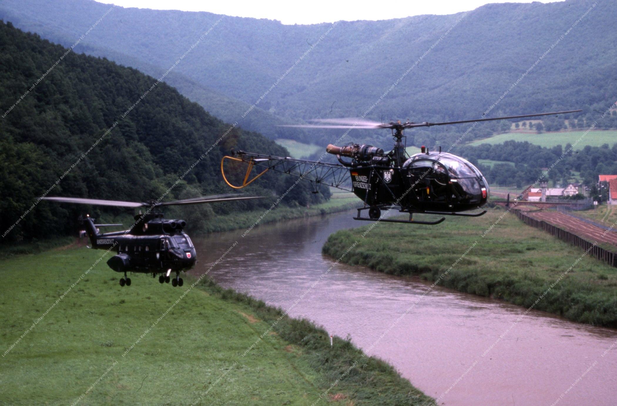 Vermutlich innerdeutsche Grenze (BRD/DDR) Hubschrauber und Bundesgrenzschutz (Bild 118)