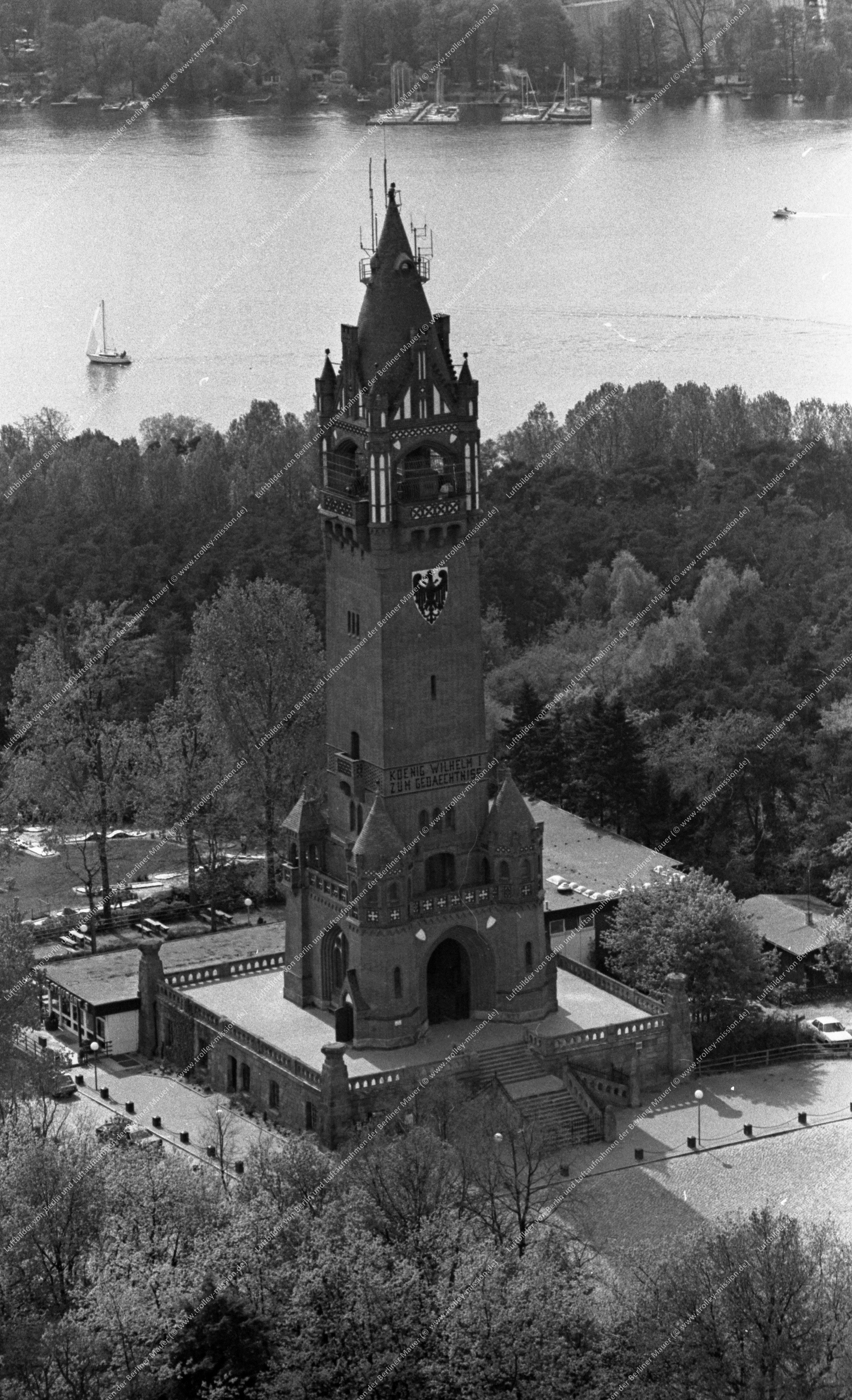Berlin Luftbild Grunewaldturm vom 12. Mai 1982 (Bild 092)