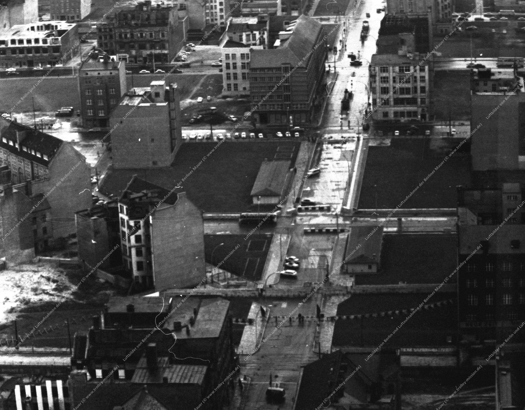 """Grenzübergang Friedrichstraße und """"Checkpoint Charlie"""" (Bild 019)"""