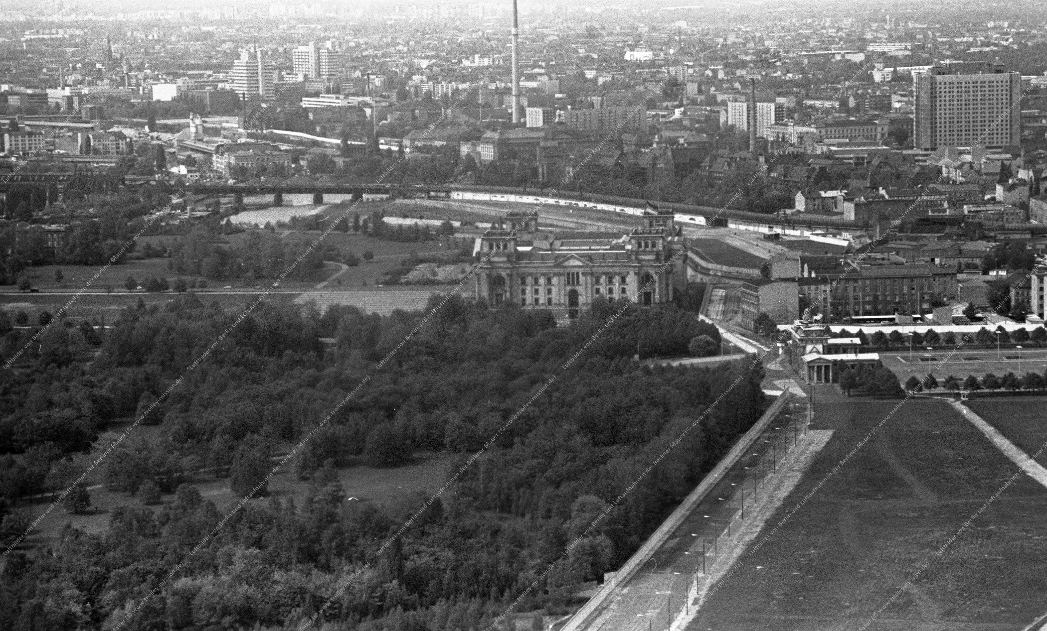 Berlin Luftbild Reichstag vom 12. Mai 1982 (Bild 071)