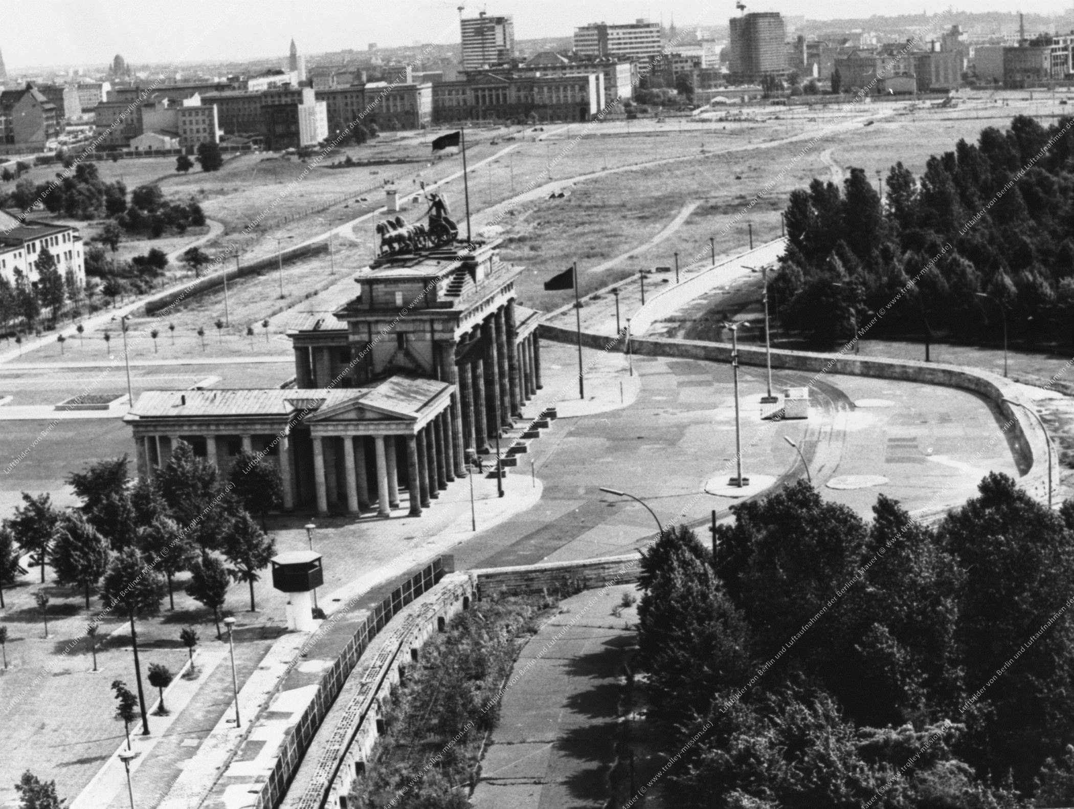 Berlin Luftbild Brandenburger Tor (Bild 013)