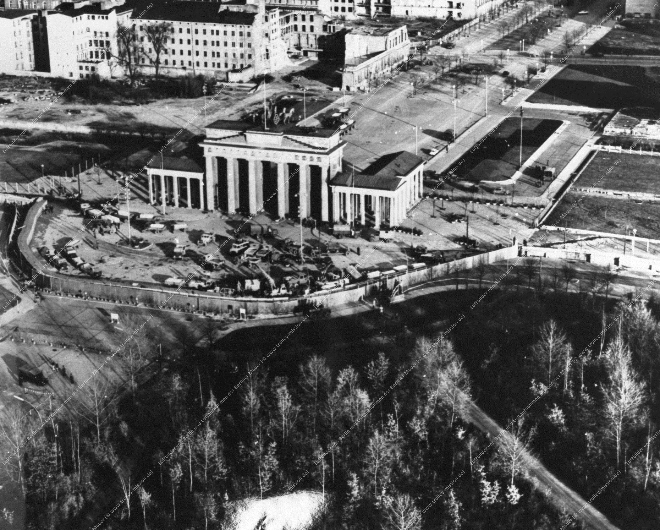 Berlin Luftbild Brandenburger Tor (Bild 012)