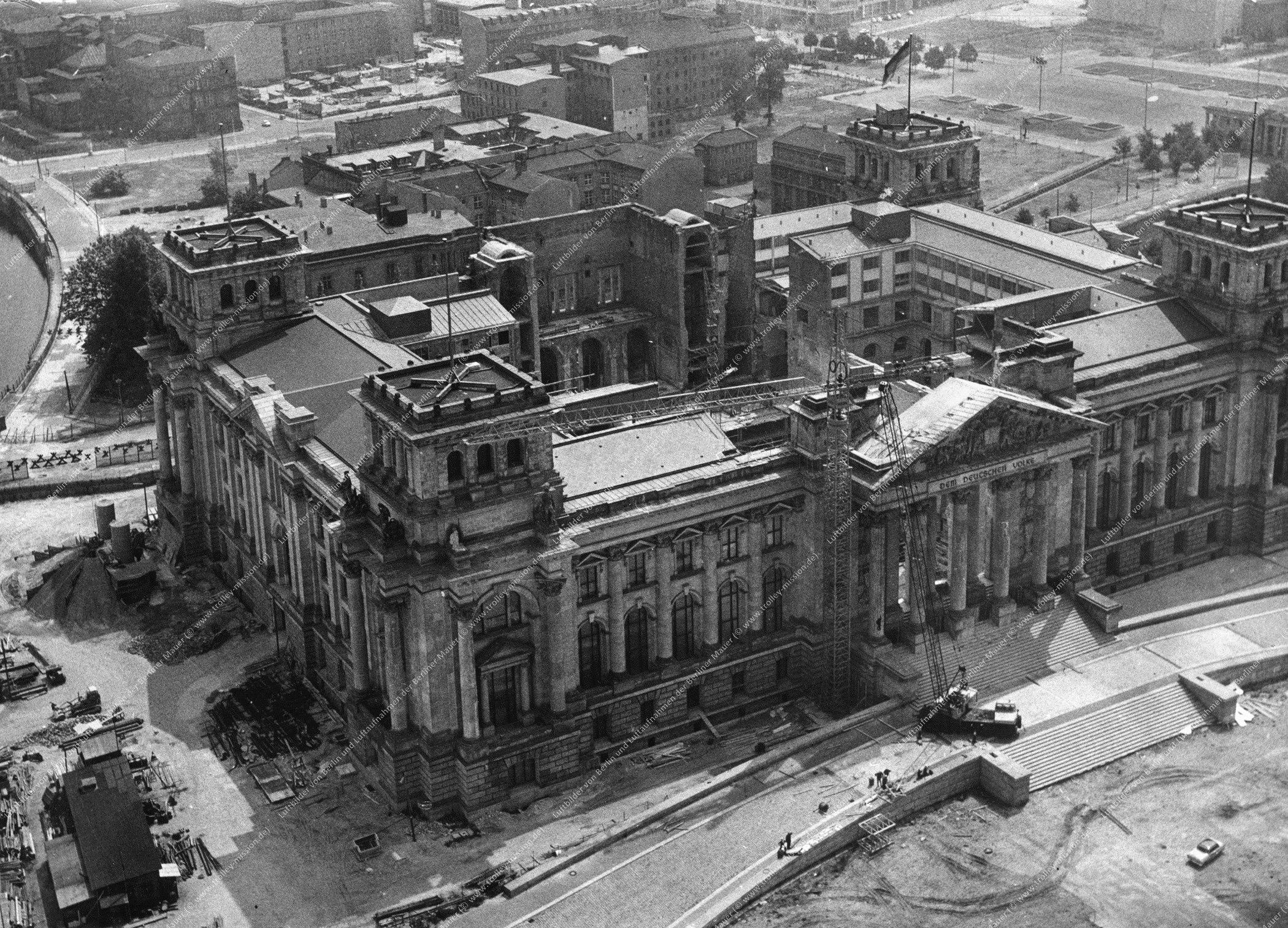 Berlin Luftbild Reichstag vom 9. Juli 1966 (Bild 040)