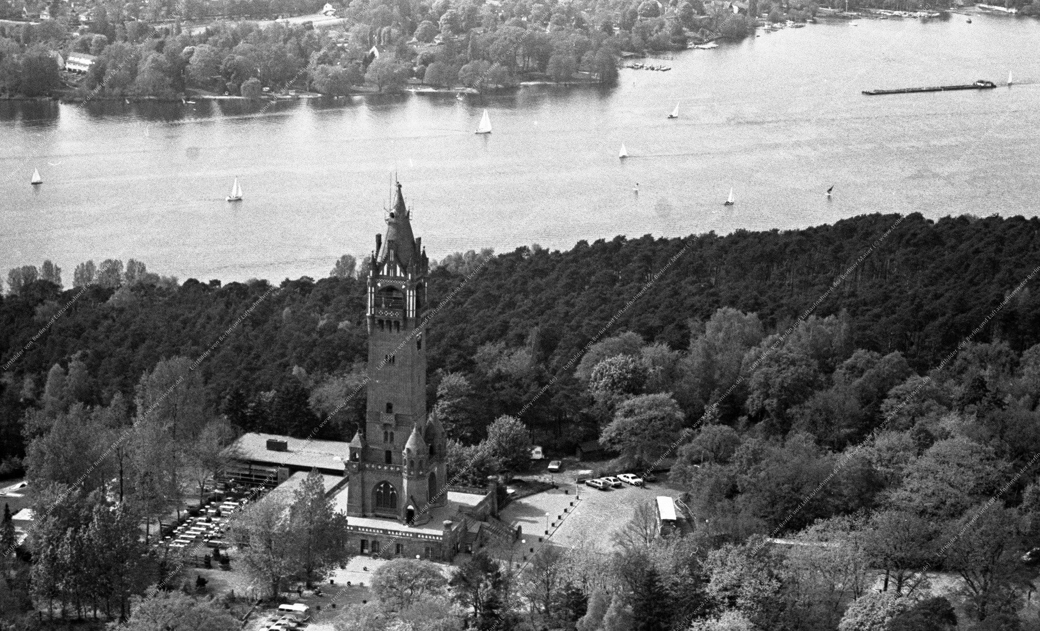 Berlin Luftaufnahme Grunewaldturm vom 12. Mai 1982 (Bild 093)