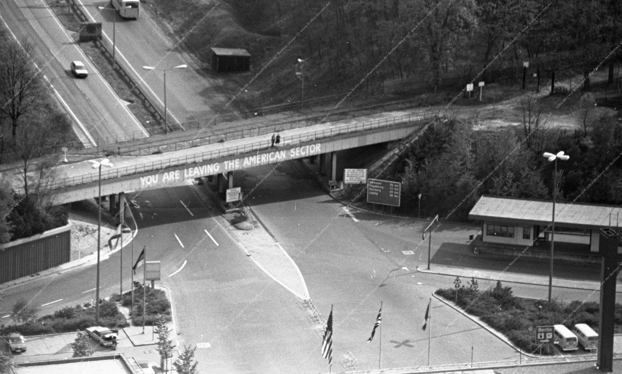Luftbild Grenzübergang Dreilinden bzw. Checkpoint Bravo zwischen Berlin und Brandenburg (Bild 048)