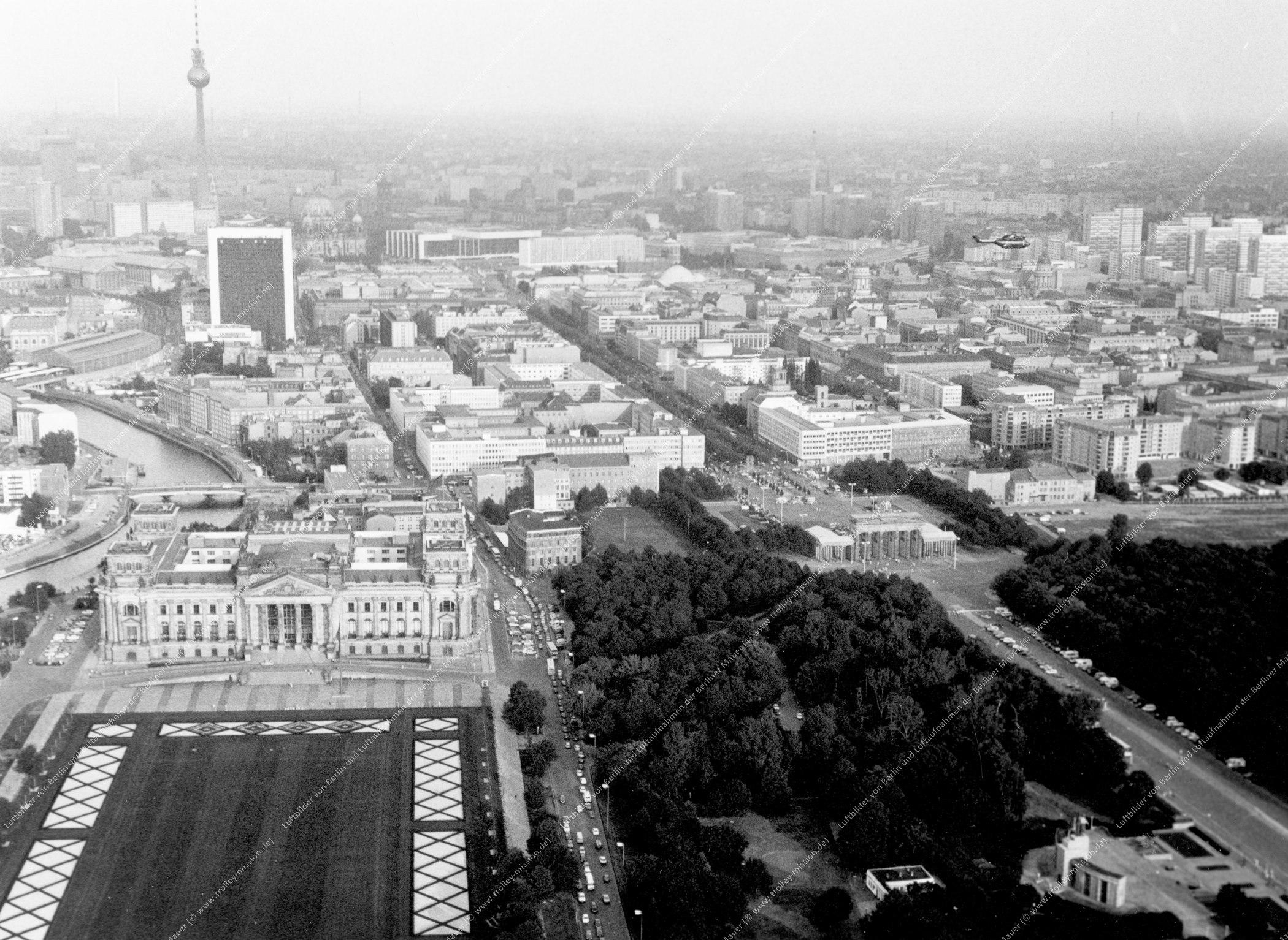 Reichstag in Berlin - Luftbild nach der deutschen Wiedervereinigung (Bild 125)
