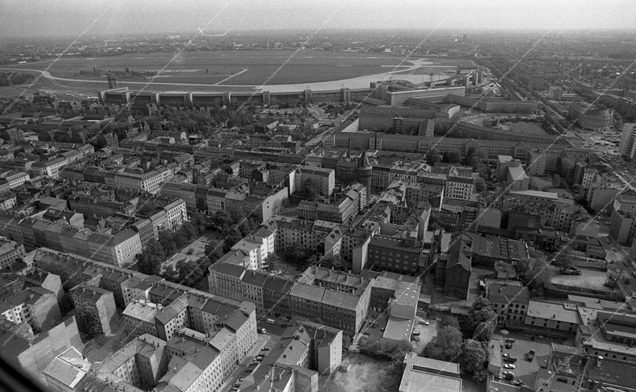 Berlin Luftbild Flughafen Tempelhof vom 12. Mai 1982 (Bild 066)