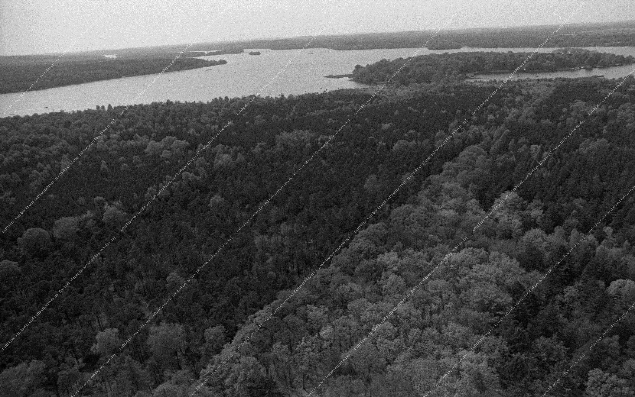 Luftbild der Insel Schwanenwerder am Großen Wannsee vom 12. Mai 1984 (Bild 094)