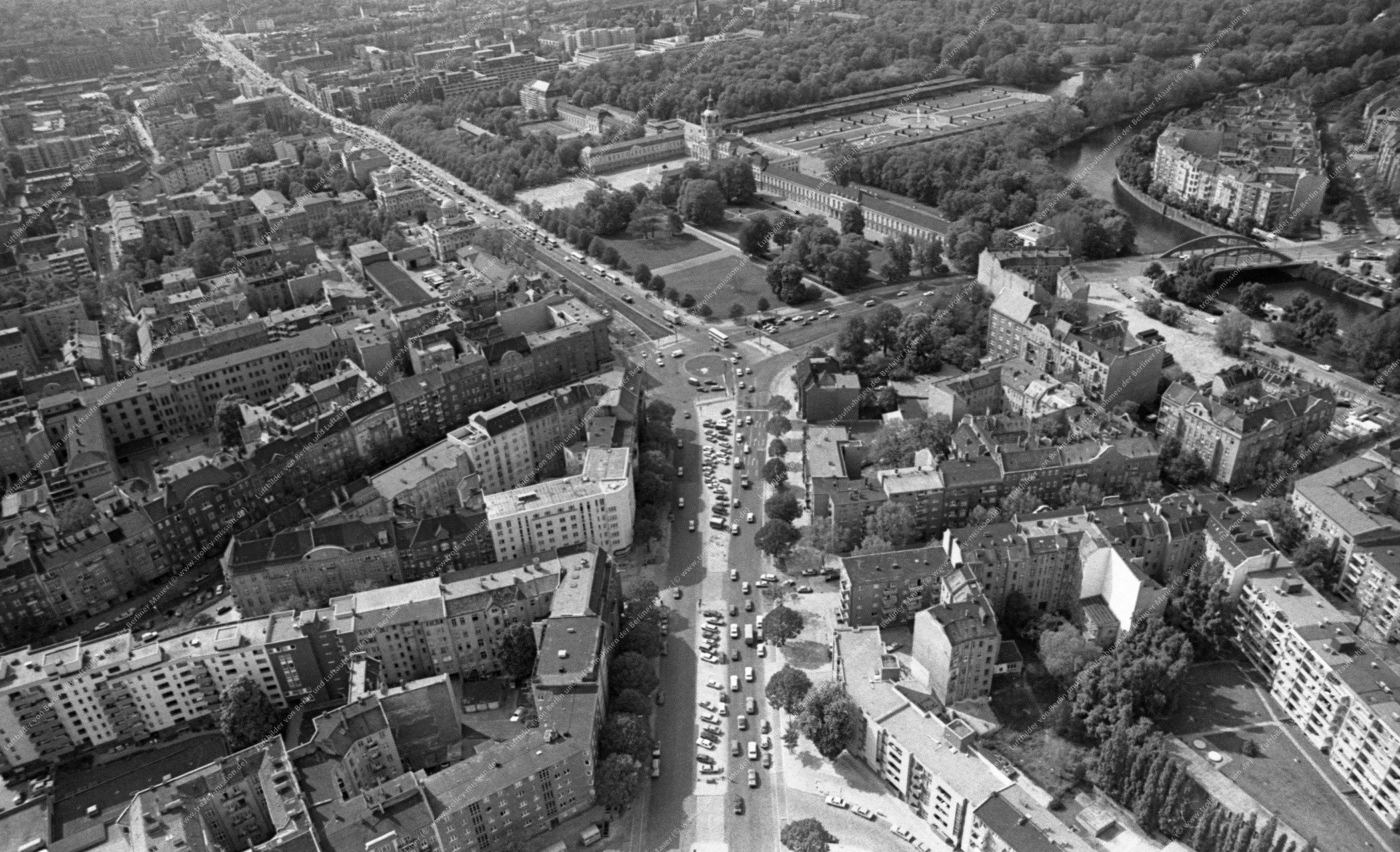 Berlin Schloß Charlottenburg Luftaufnahme vom 12. Mai 1982 (Bild 096)