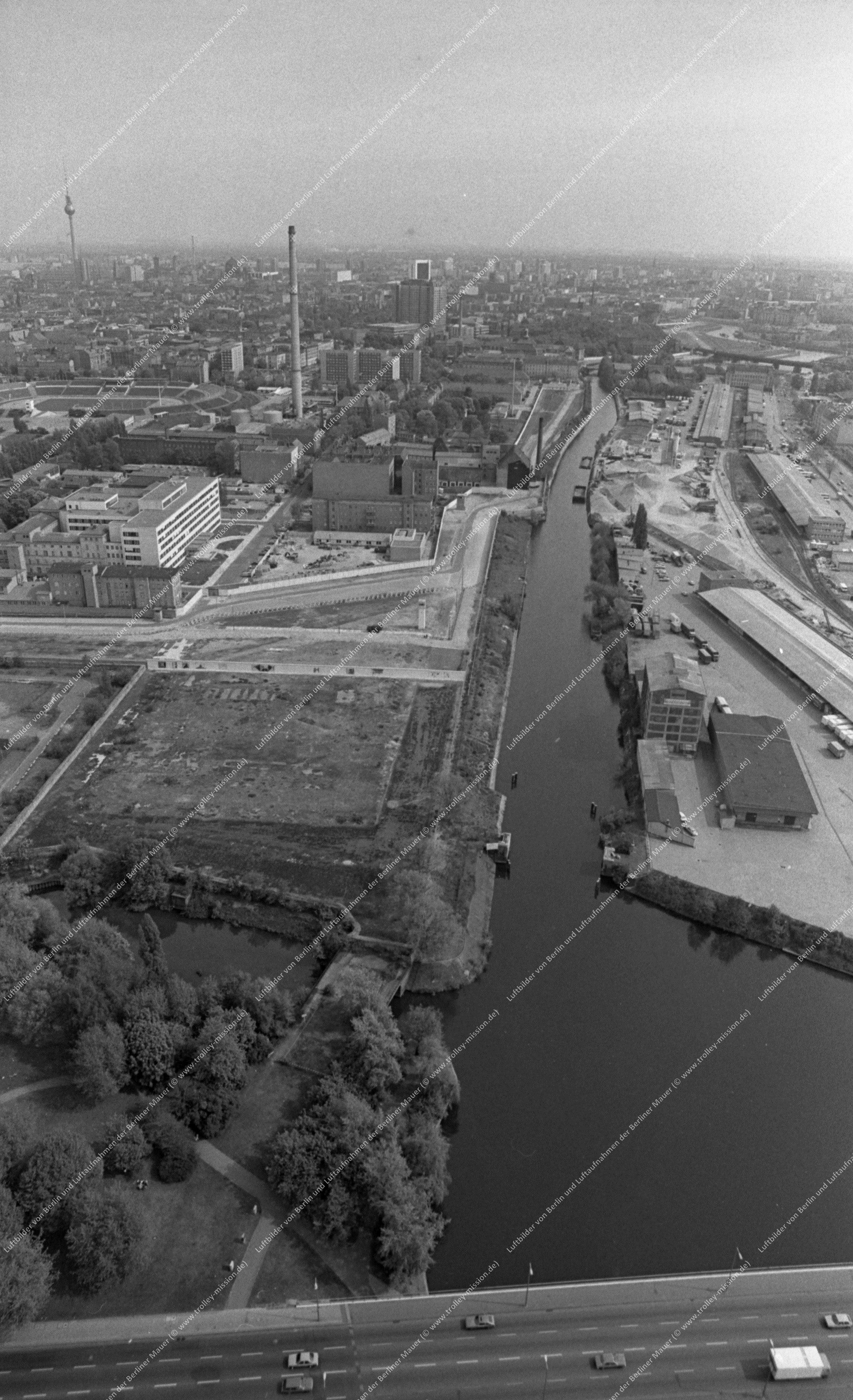 Berliner Luftaufnahme entlang der Sellerstraße vom Nordhafen zum Humboldthafen vom 12. Mai 1982 (Bild 062)