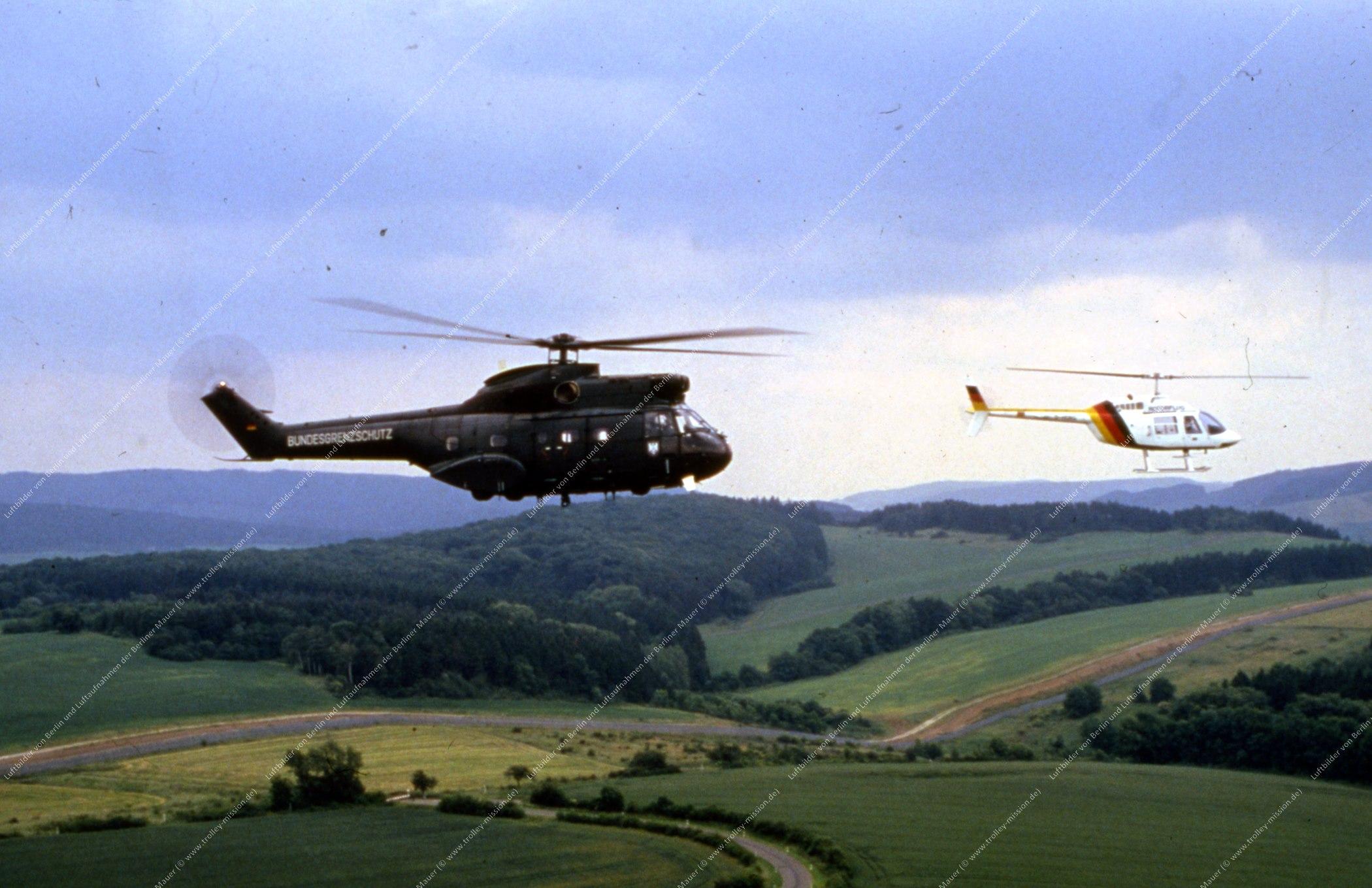 Vermutlich innerdeutsche Grenze (BRD/DDR) Hubschrauber und Bundesgrenzschutz (Bild 121)