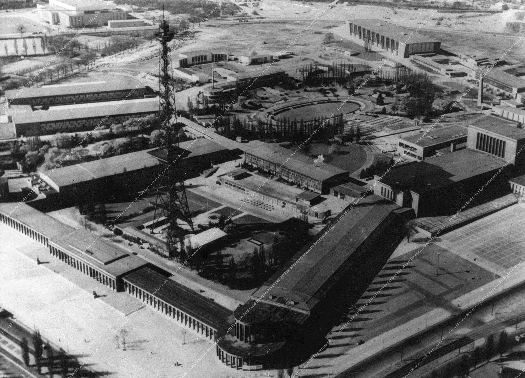 Berlin Luftbild Funkturm am Messegelände vom 25. Juli 1961 (Bild 041)
