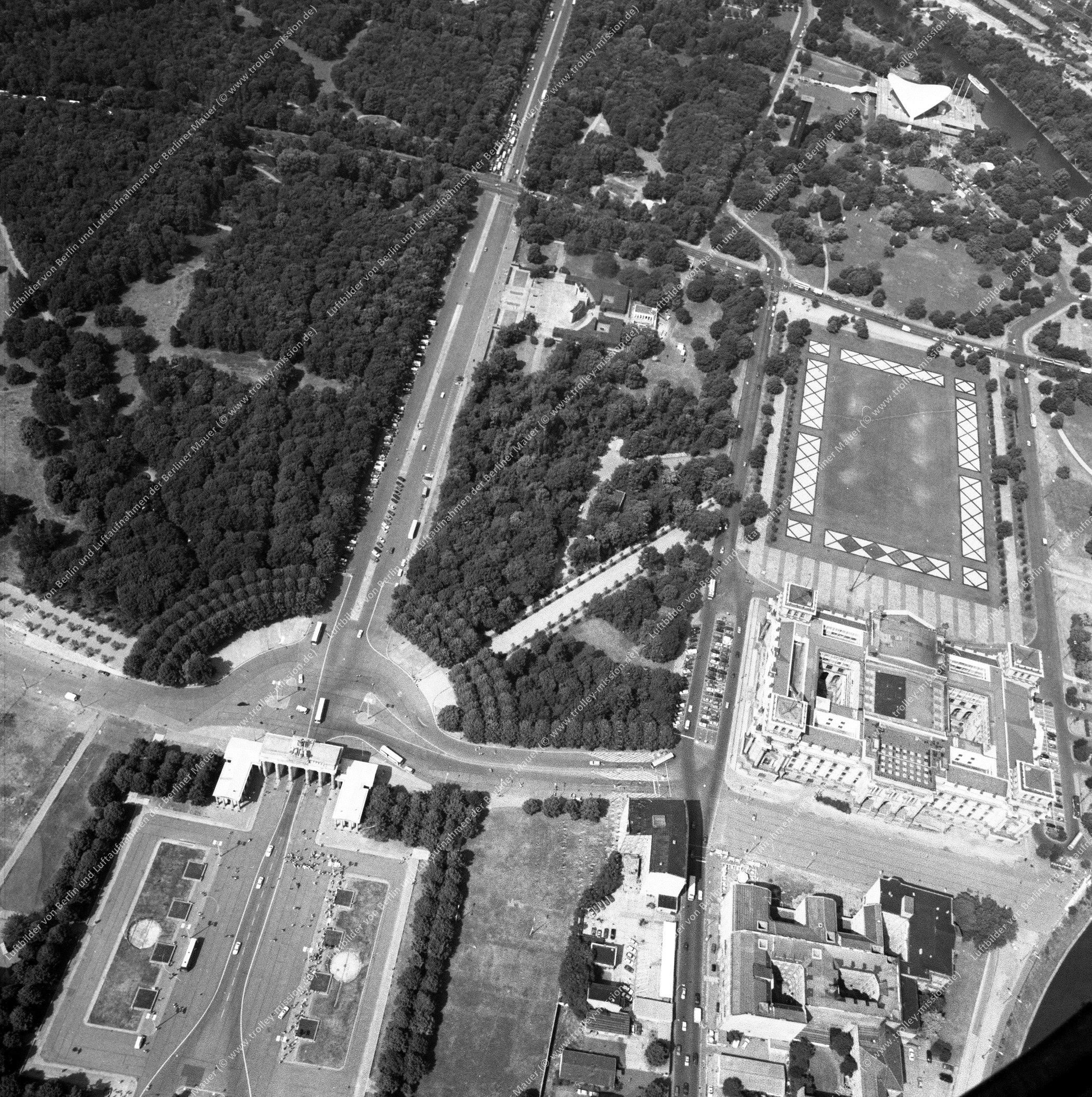 Reichstag, Brandenburger Tor und Paris Platz nach der deutschen Wiedervereinigung (Bild 129)