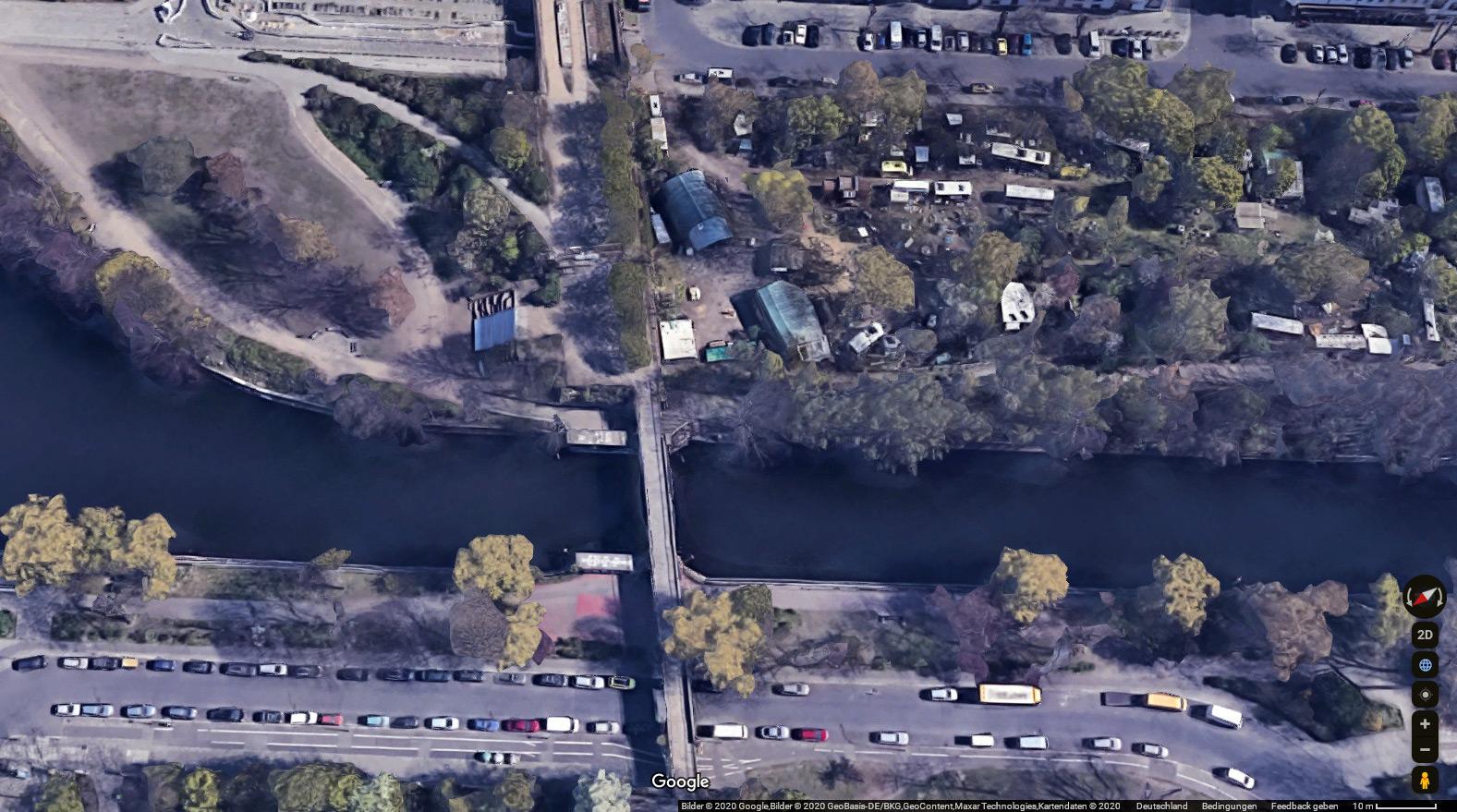Eisenbahnbrücke über den Landwehrkanal - Google Maps