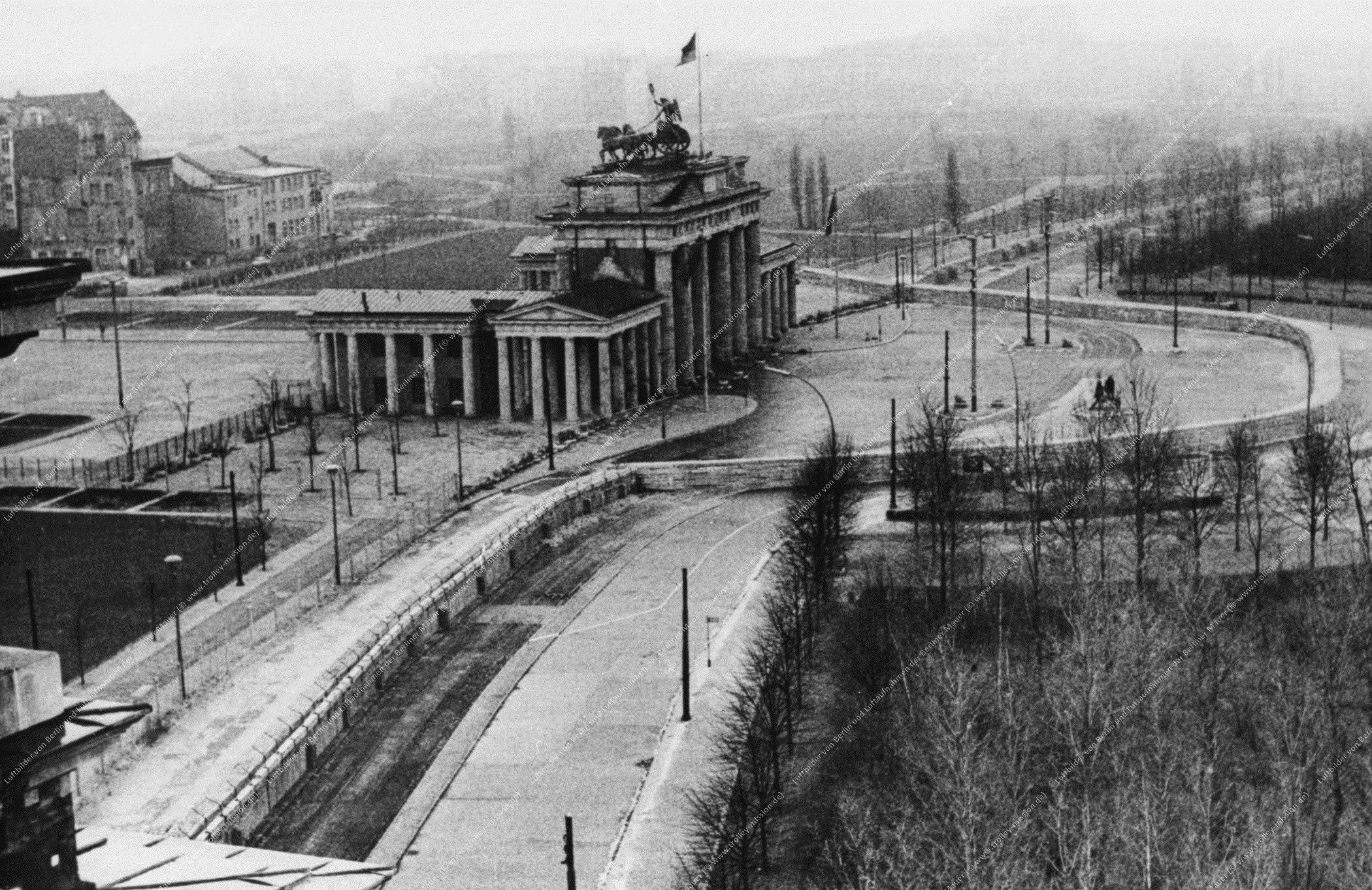 Berlin Luftbild Brandenburger Tor (Bild 009)