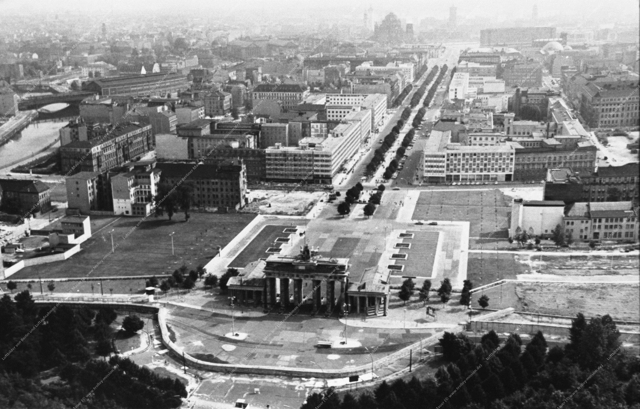 Berlin Luftbild Brandenburger Tor (Bild 014)