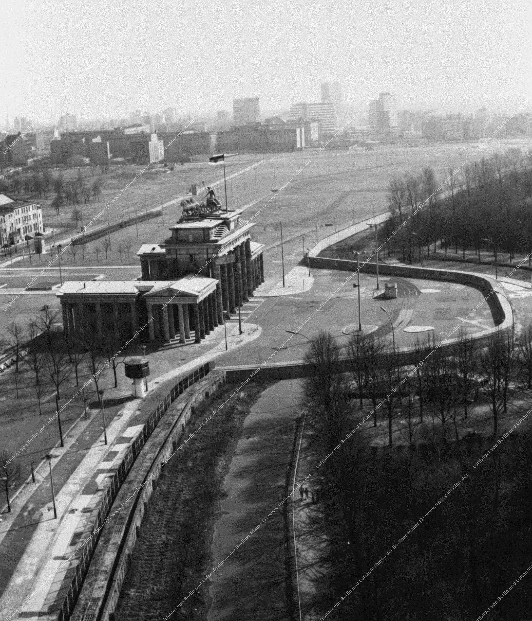Berlin Luftbild Brandenburger Tor (Bild 011)