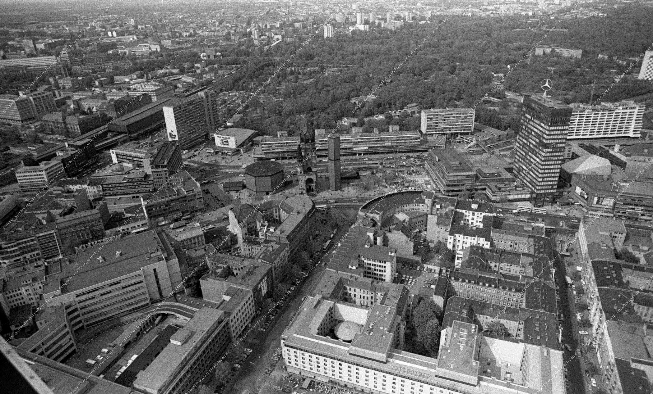 Luftaufnahme Kaiser-Wilhelm-Gedächtniskirche vom 9. März 1982 (Bild 105)