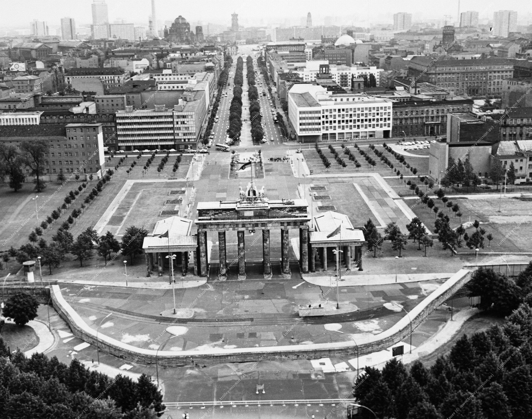 Berlin Luftbild Brandenburger Tor (Bild 039)