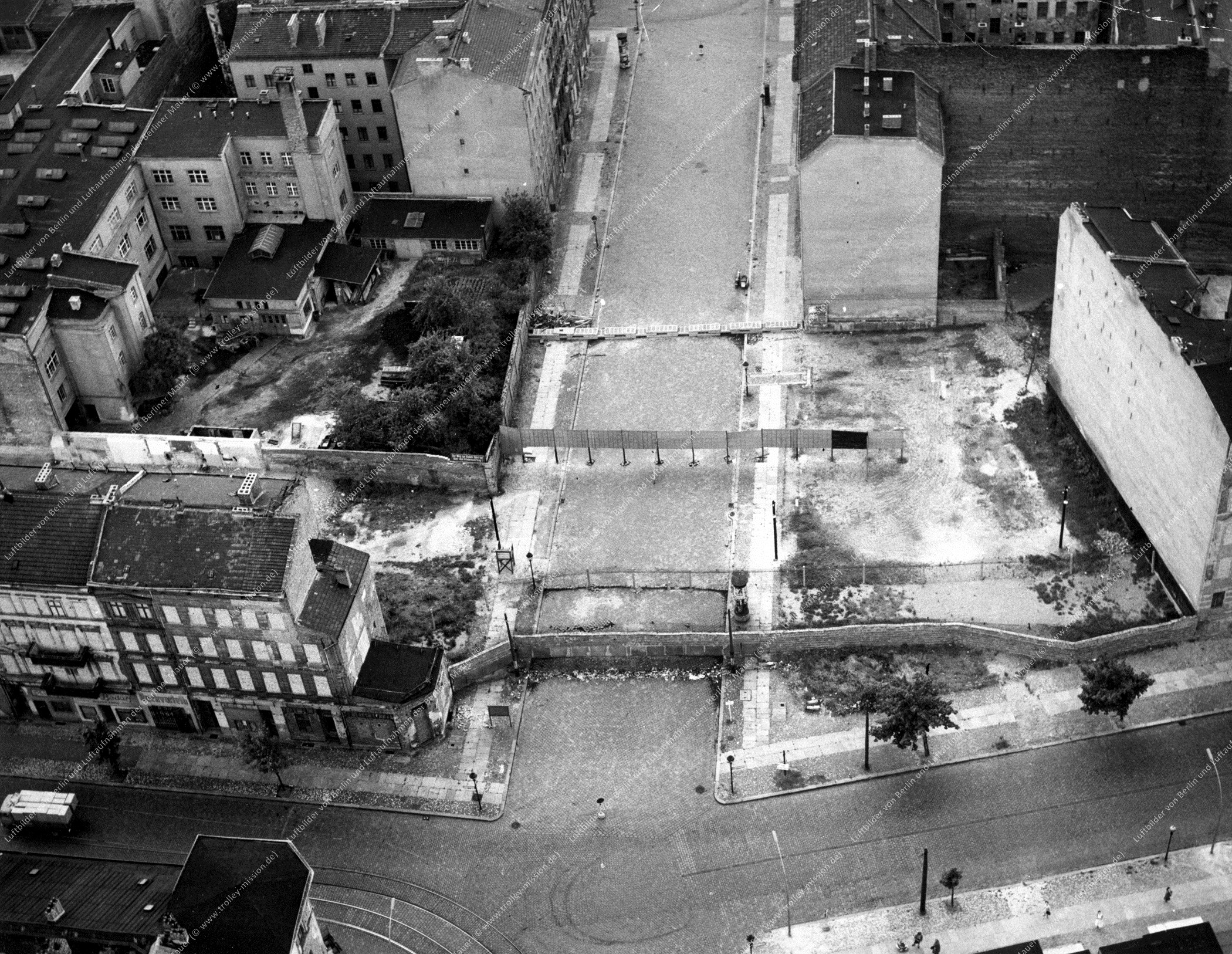 Luftbild Berlin Bernauer Straße und Strelitzer Straße (Bild 033)