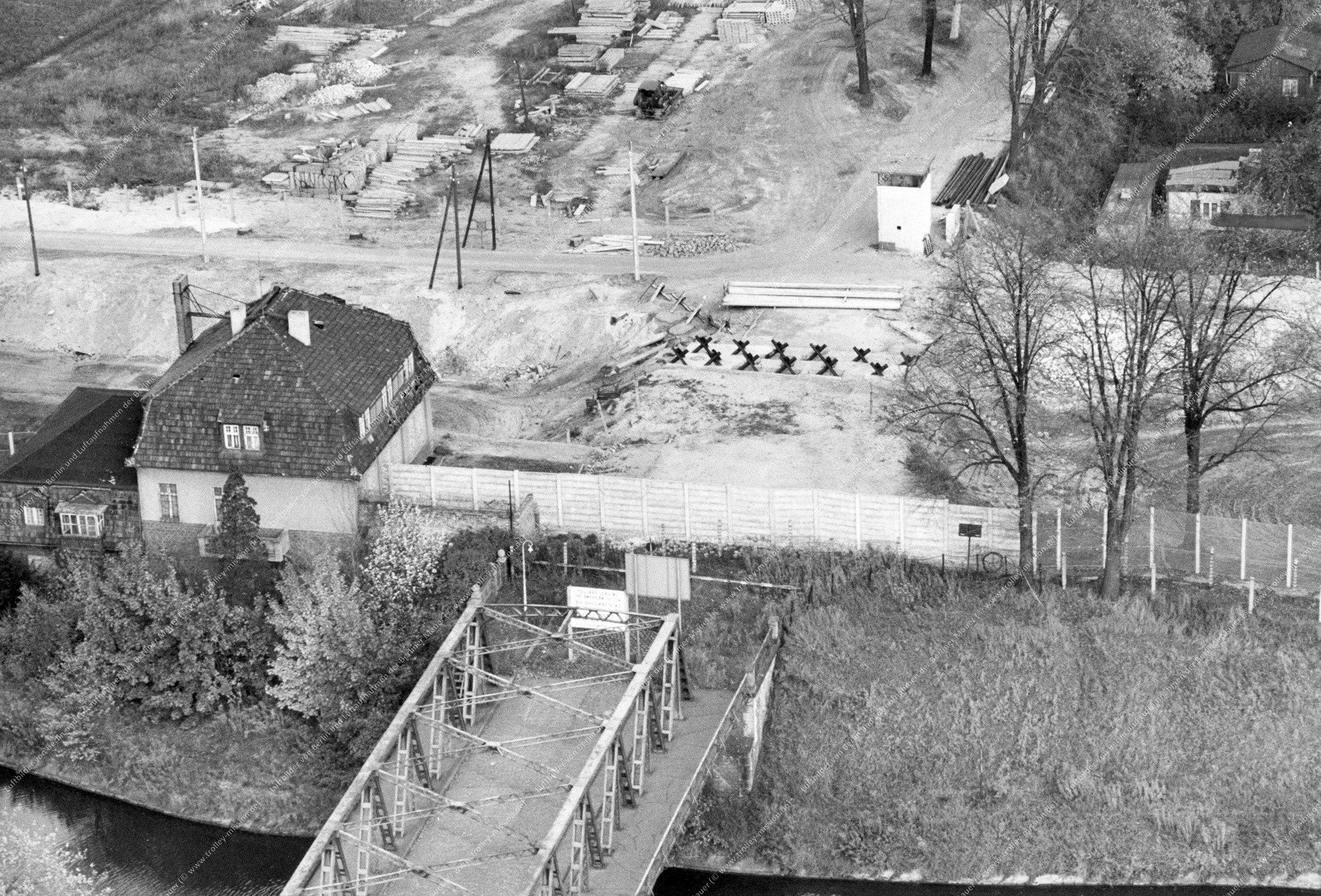 Berlin Luftbild Alte Späthbrücke am Teltow-Kanal vom 11. August 1968 (Bild 043)