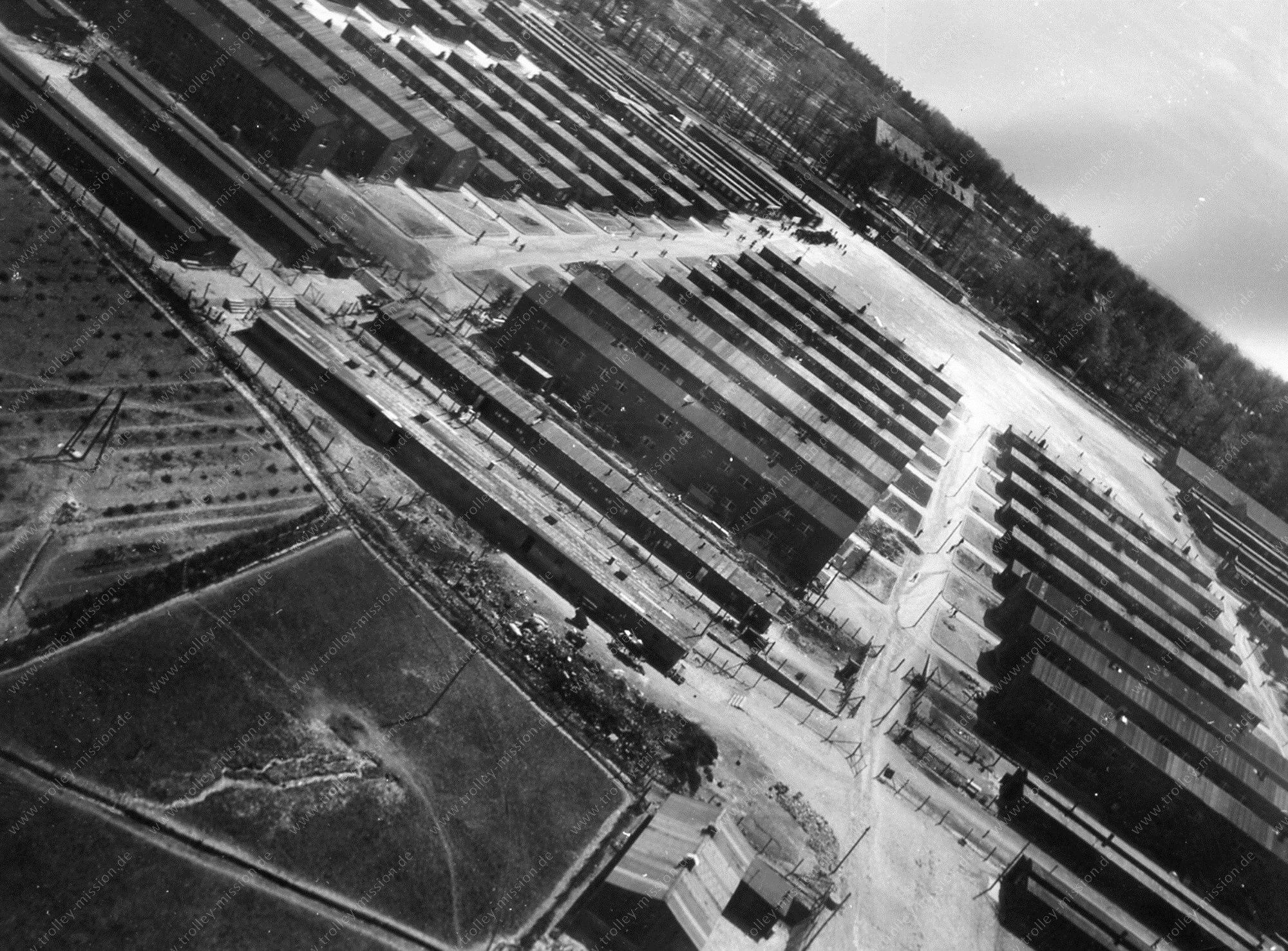 Flug über die Baracken des Konzentrationslagers Buchenwald