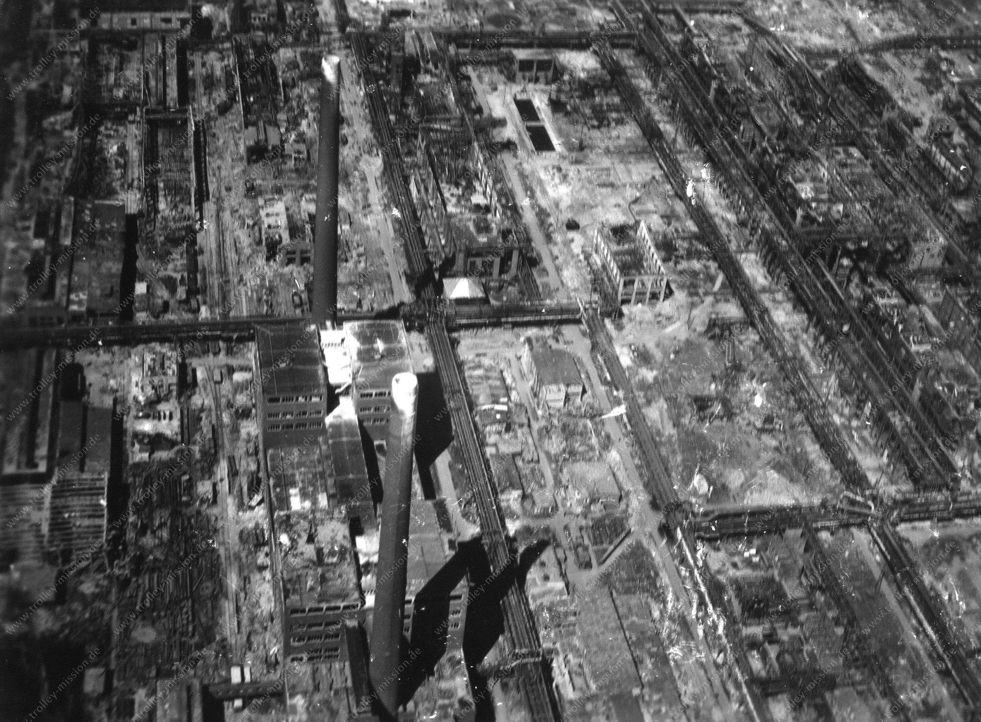 Luftbild der Ammoniakwerk Merseburg GmbH (Leuna Werke) in Merseburg im Zweiten Weltkrieg