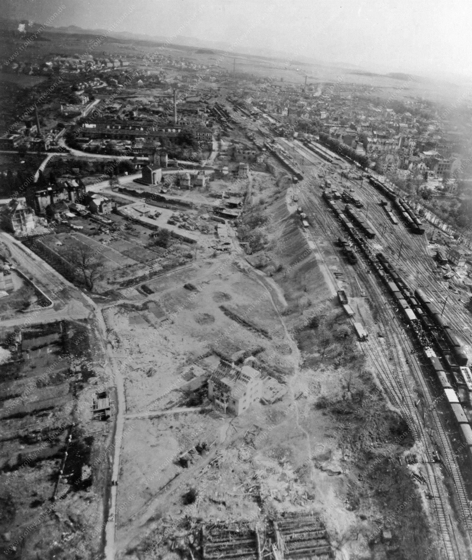 Luftaufnahme der Kurfürstenstraße, Magdeburger Straße sowie Esperantostraße und Amand-Ney-Straße in Fulda nach den Bombenangriffen im Mai 1945