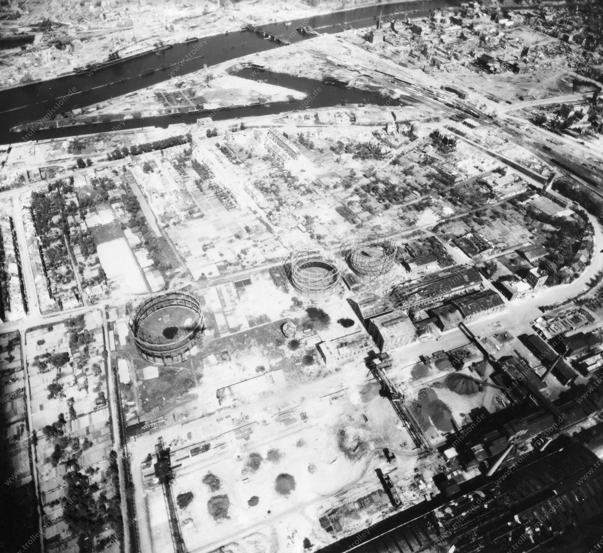 Luftbild von Bremen am 12. Mai 1945 - Luftbildserie 7/12 der US Air Force
