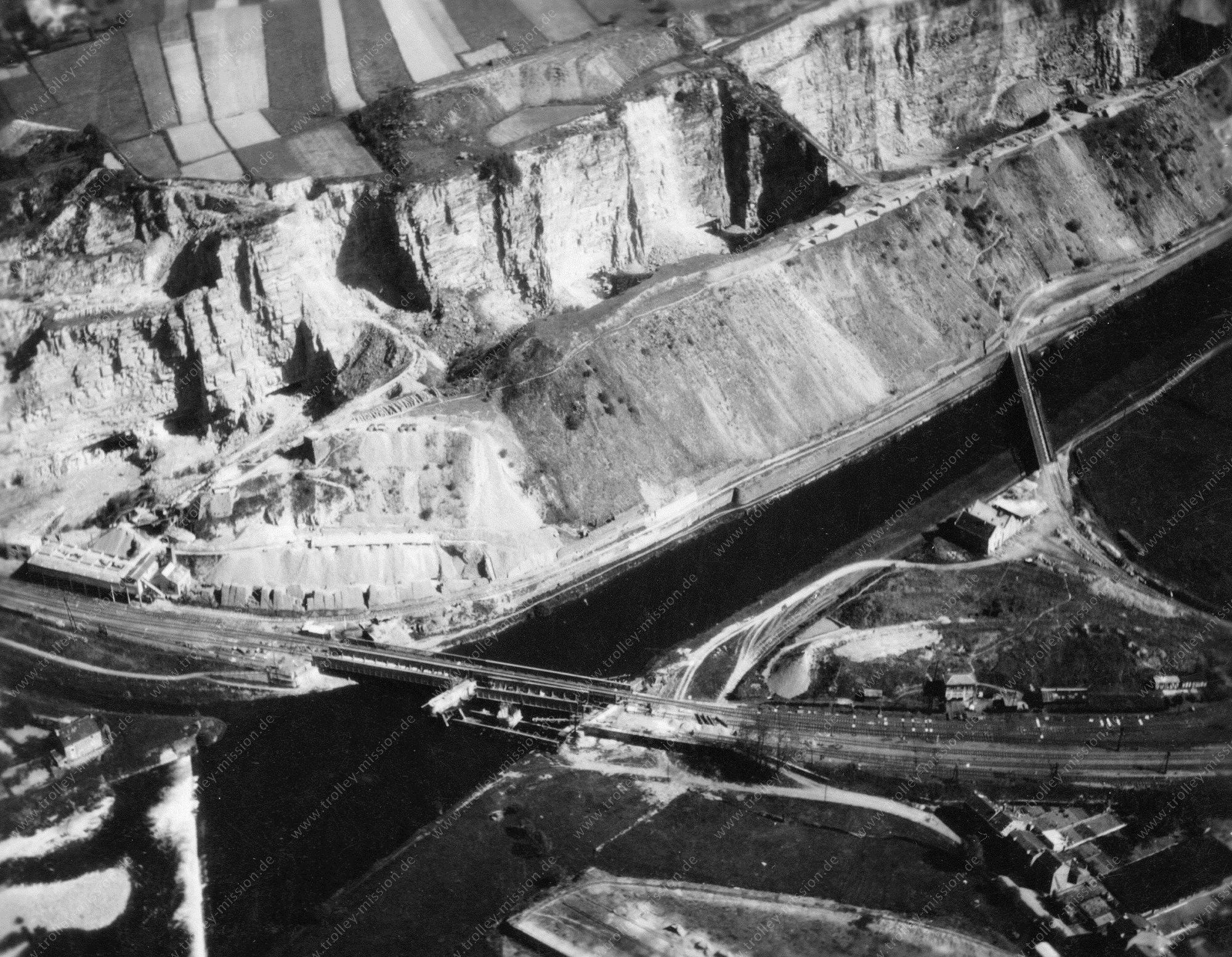 Luftbild Comblain-au-Pont mit Steinbruch und Eisenbahnbrücke am Fluß Ourthe (Belgien)