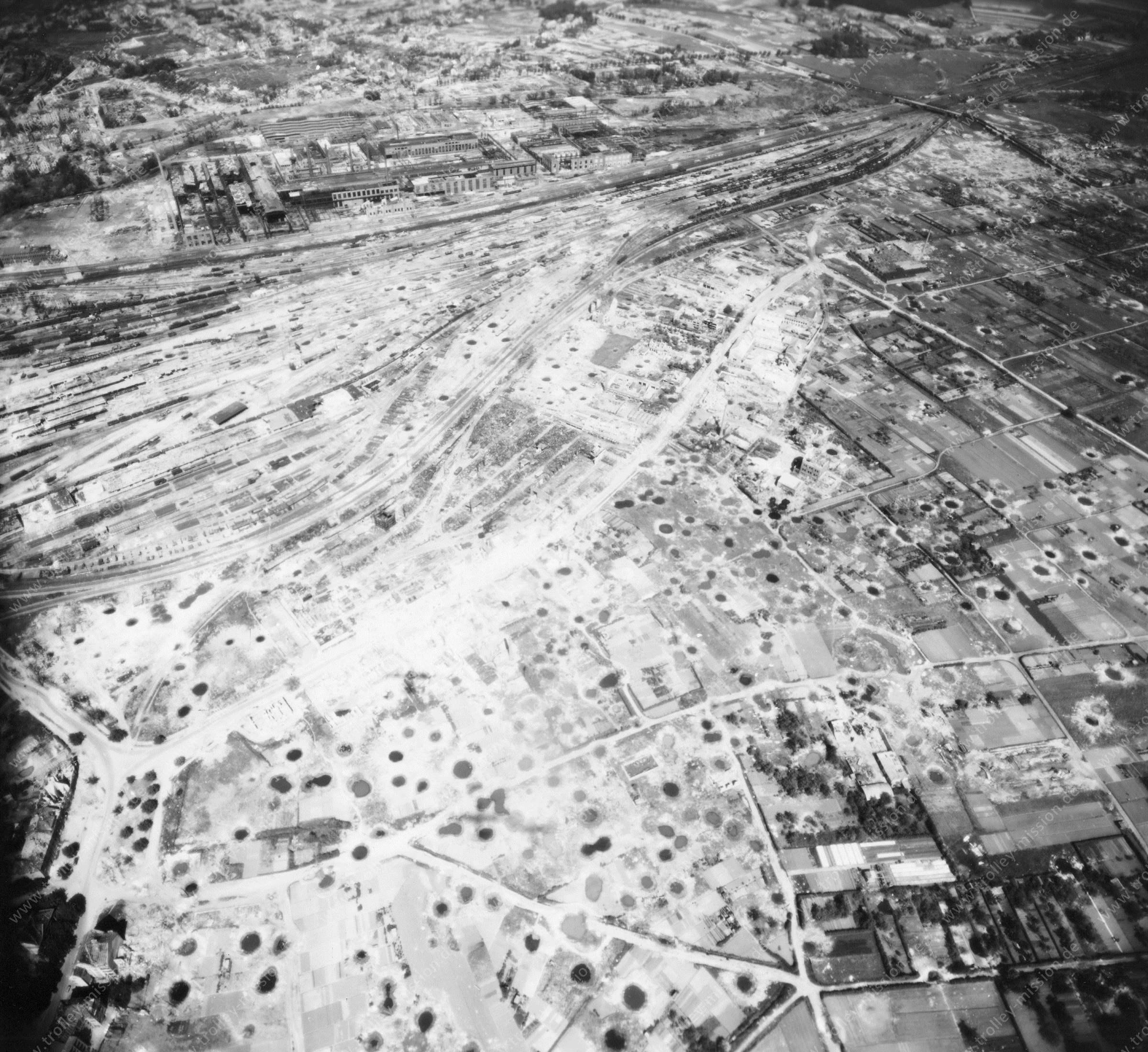 Klöckner-Werke AG Georgsmarienhütte in Osnabrück im Mai 1945 - Luftbild der US Air Force