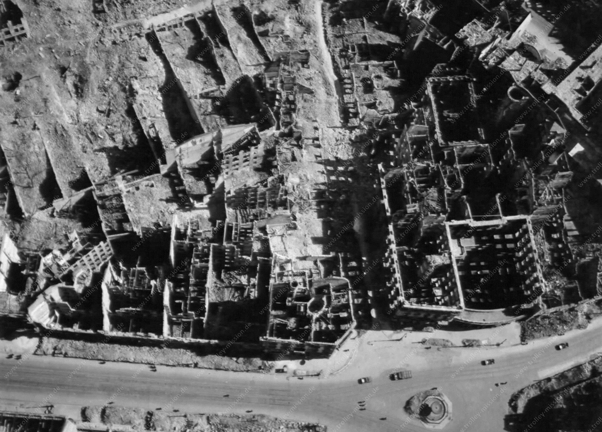 Hotel Frankfurter Hof Luftbild nach der totalen Zerstörung im Zweiten Weltkrieg