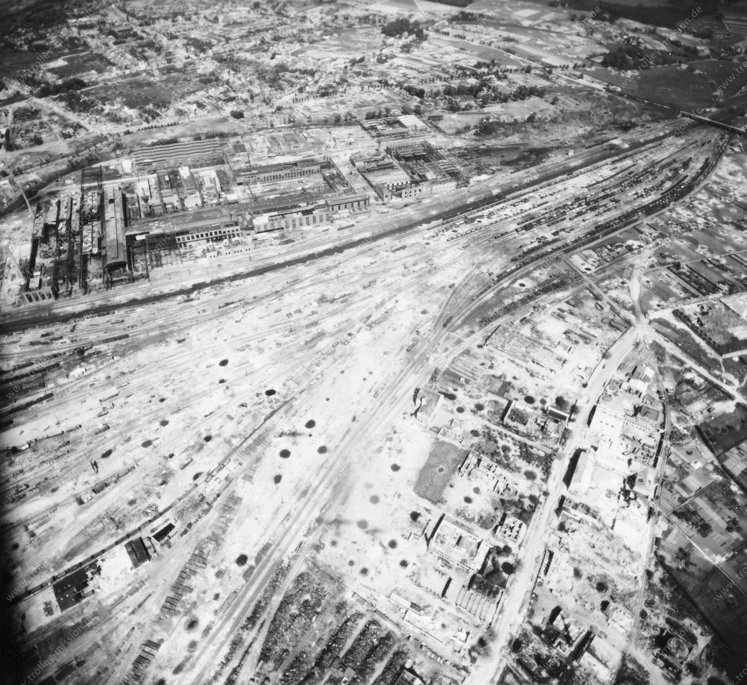 Osnabrücker Güterbahnhof, Klöckner-Werke AG Georgsmarienhütte sowie  Schellenbergbrücke im Mai 1945