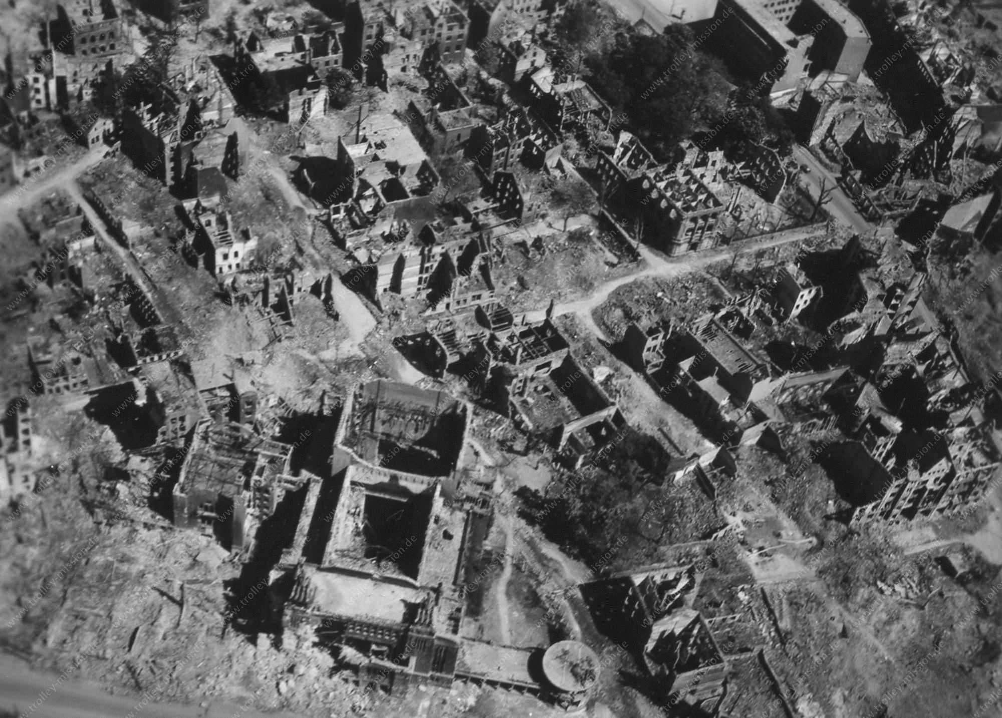 Luftbild Stadttheater Dortmund aus dem Zweiten Weltkrieg nach den Fliegerbombenangriffen