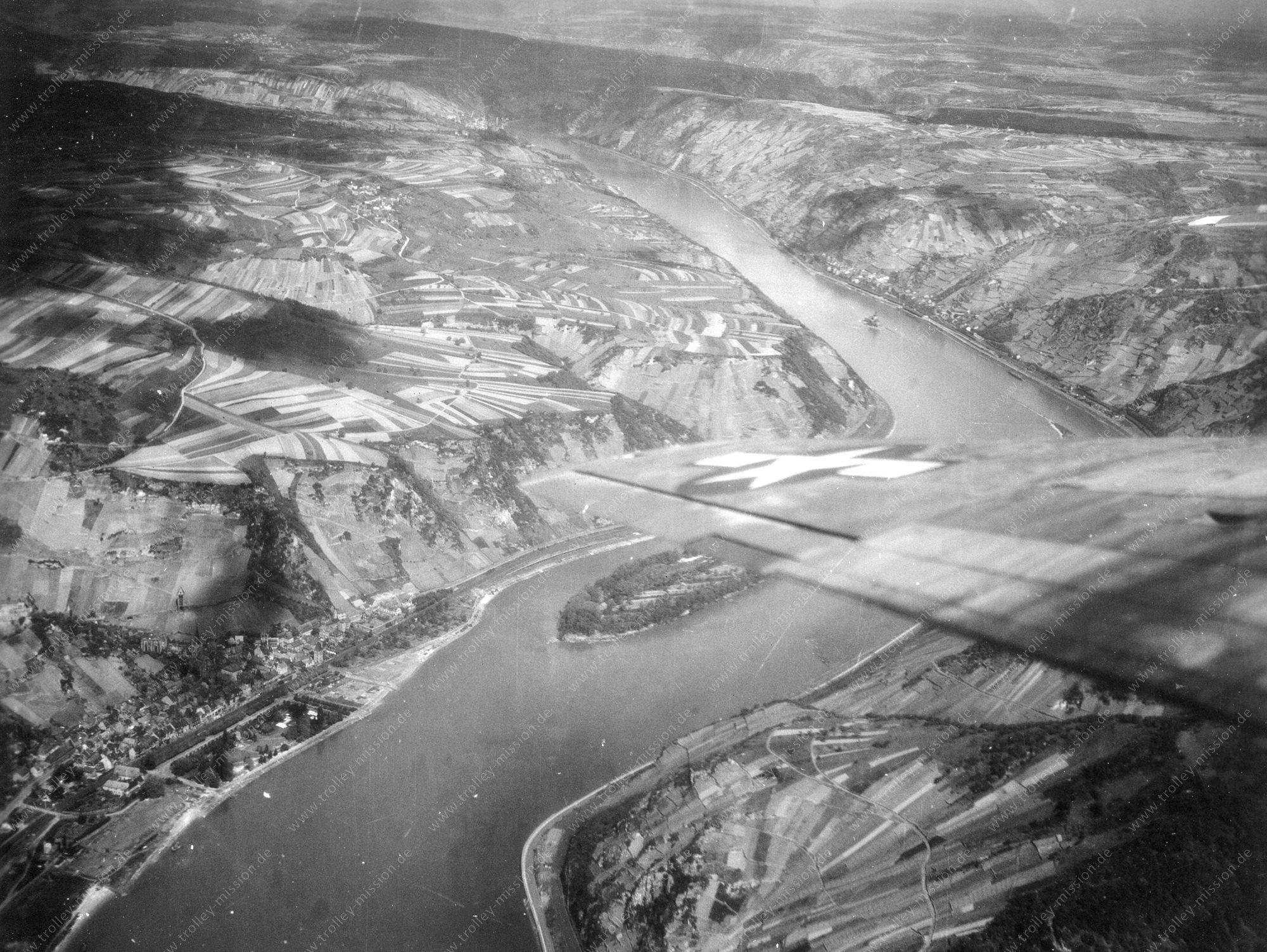 Luftbild von Bacharach am Rhein mit den Rheininseln Bacharacher Werth und Kauber Werth