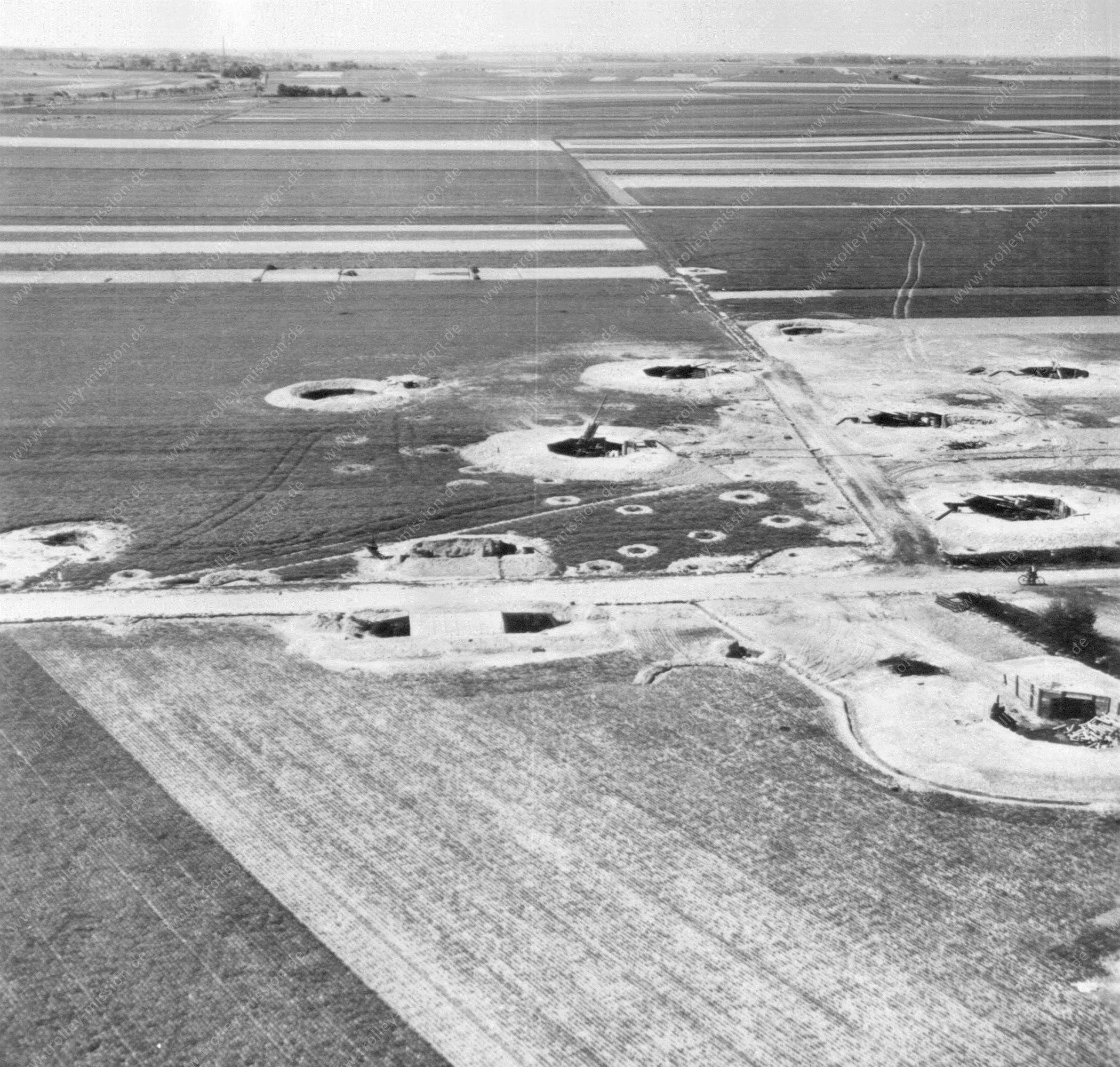 Flakstellung - Unbekannte Luftaufnahme aus dem Zweiten Weltkrieg (USASC-55)
