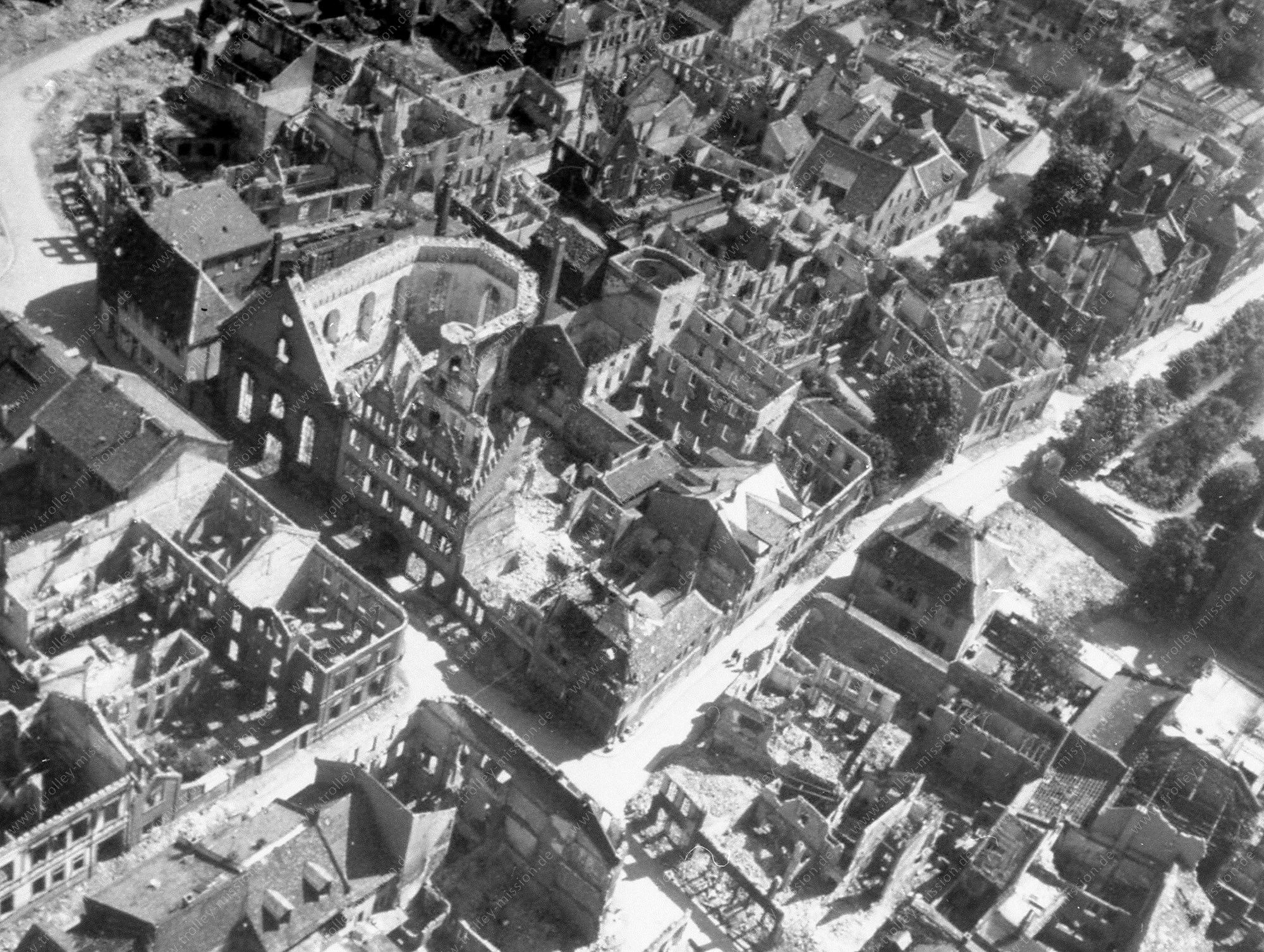 Luftbild der Friedrichskirche sowie der Paulusstraße und Römerstraße in Worms