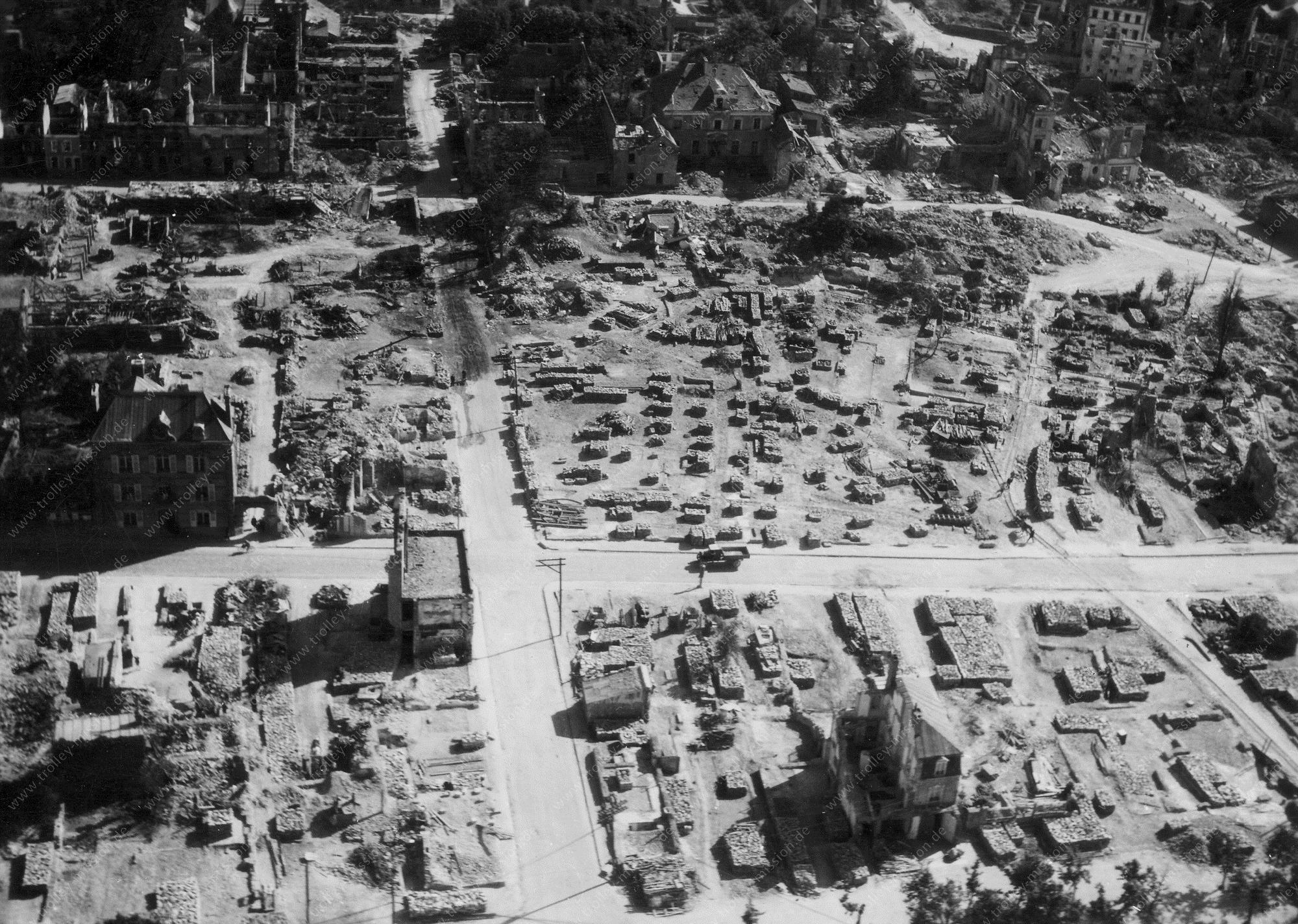 Unbekanntes Luftbild Trümmergrundstück