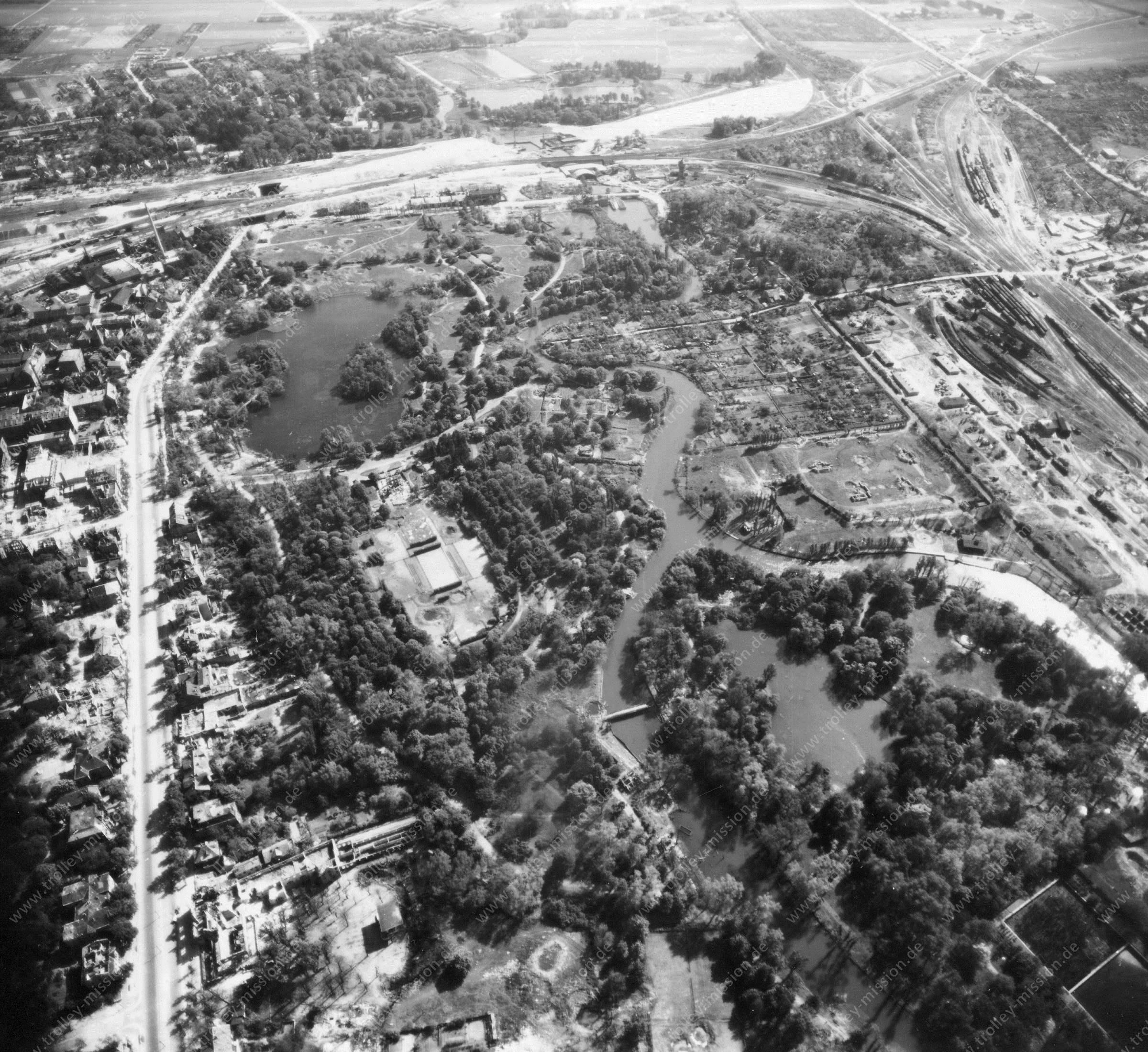Luftbild von Braunschweig am 12. Mai 1945 - Luftbildserie 10/11 der US Air Force