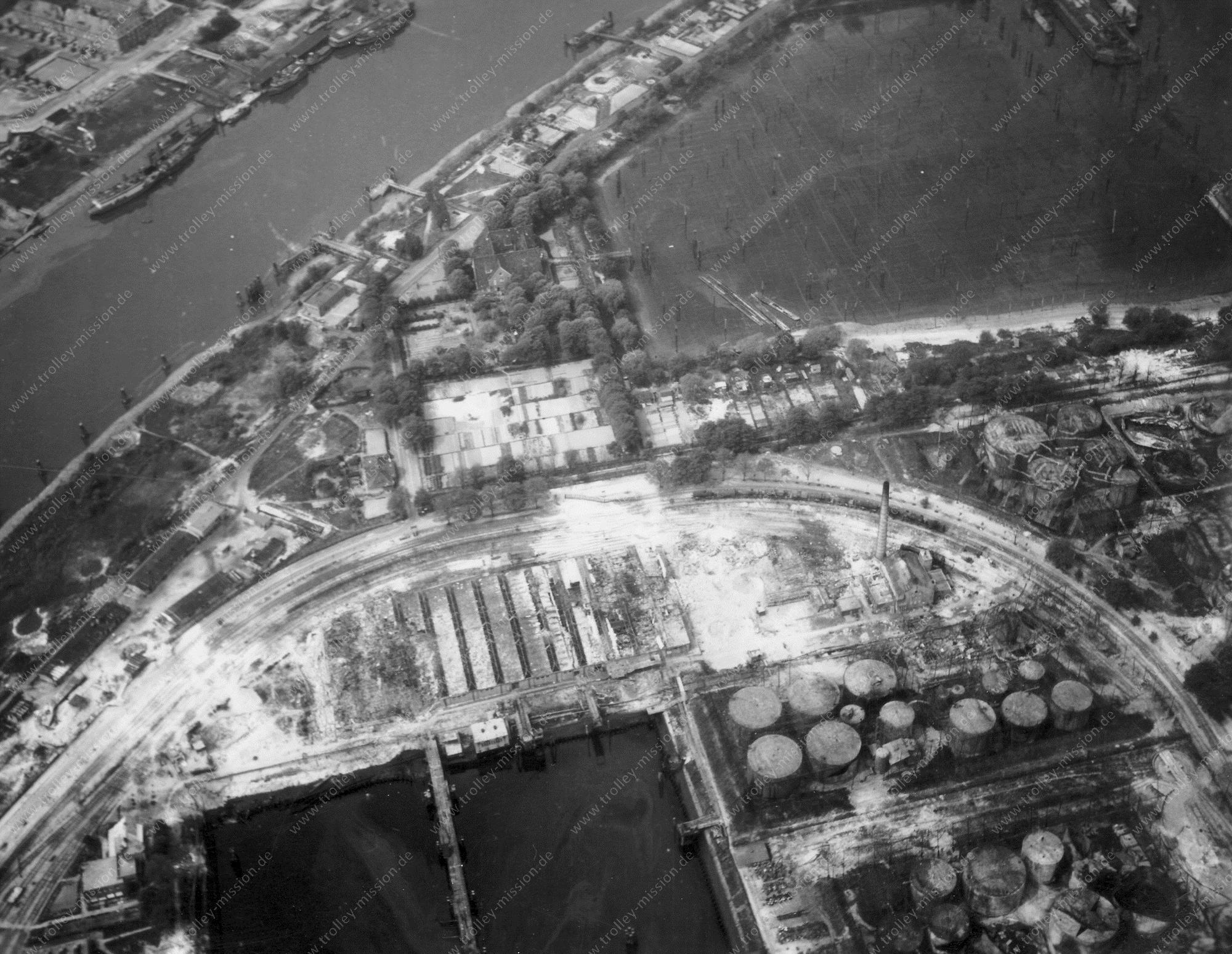 Hamburg Luftbild Köhlfleethafen und Petroleumhafen