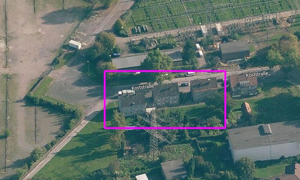 Drei Häuser in der Koststraße - Luftbild der Kohlehydrieranlage im Werk Gelsenkirchen Horst