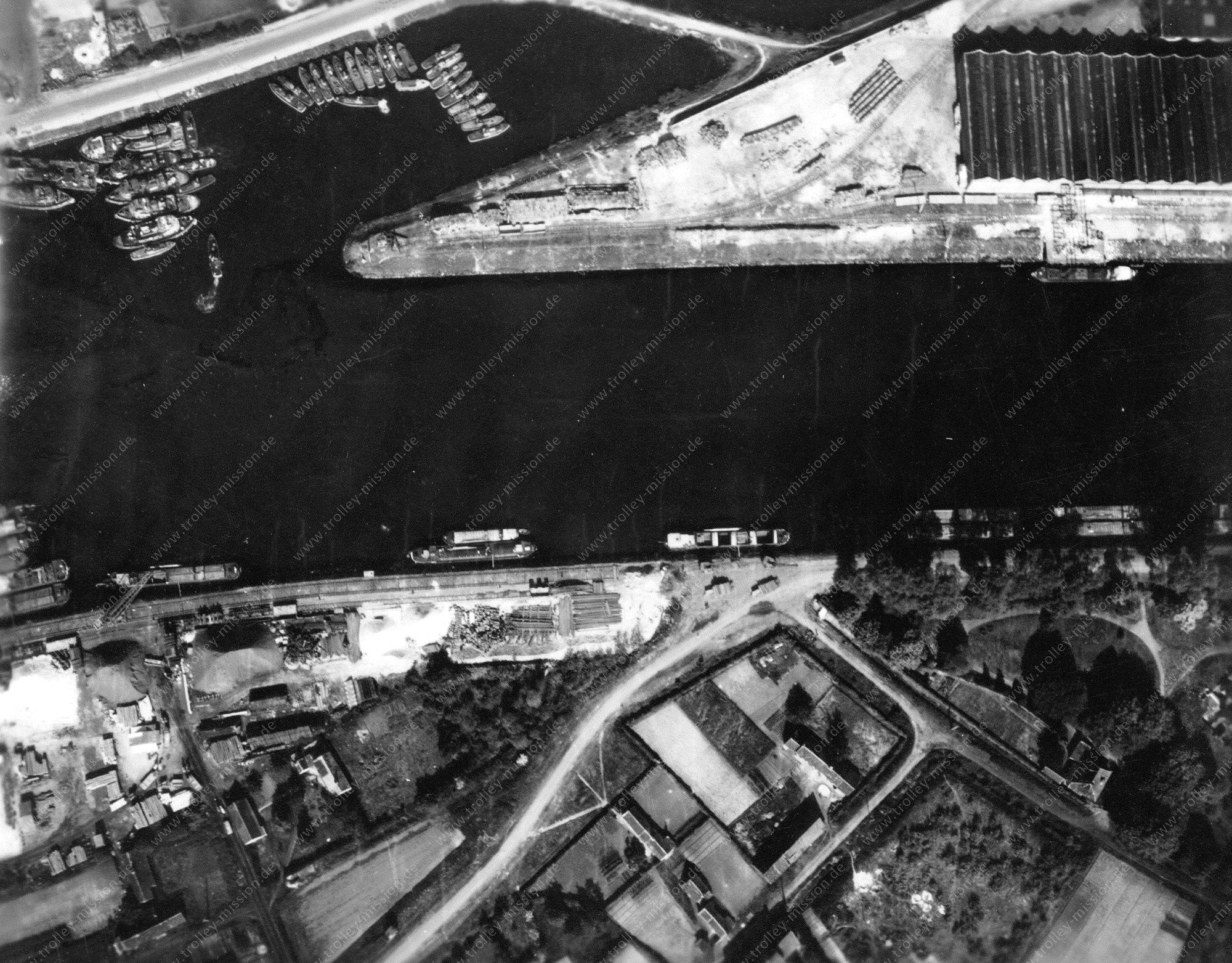 Unbekanntes Luftbild Hafenanlagen