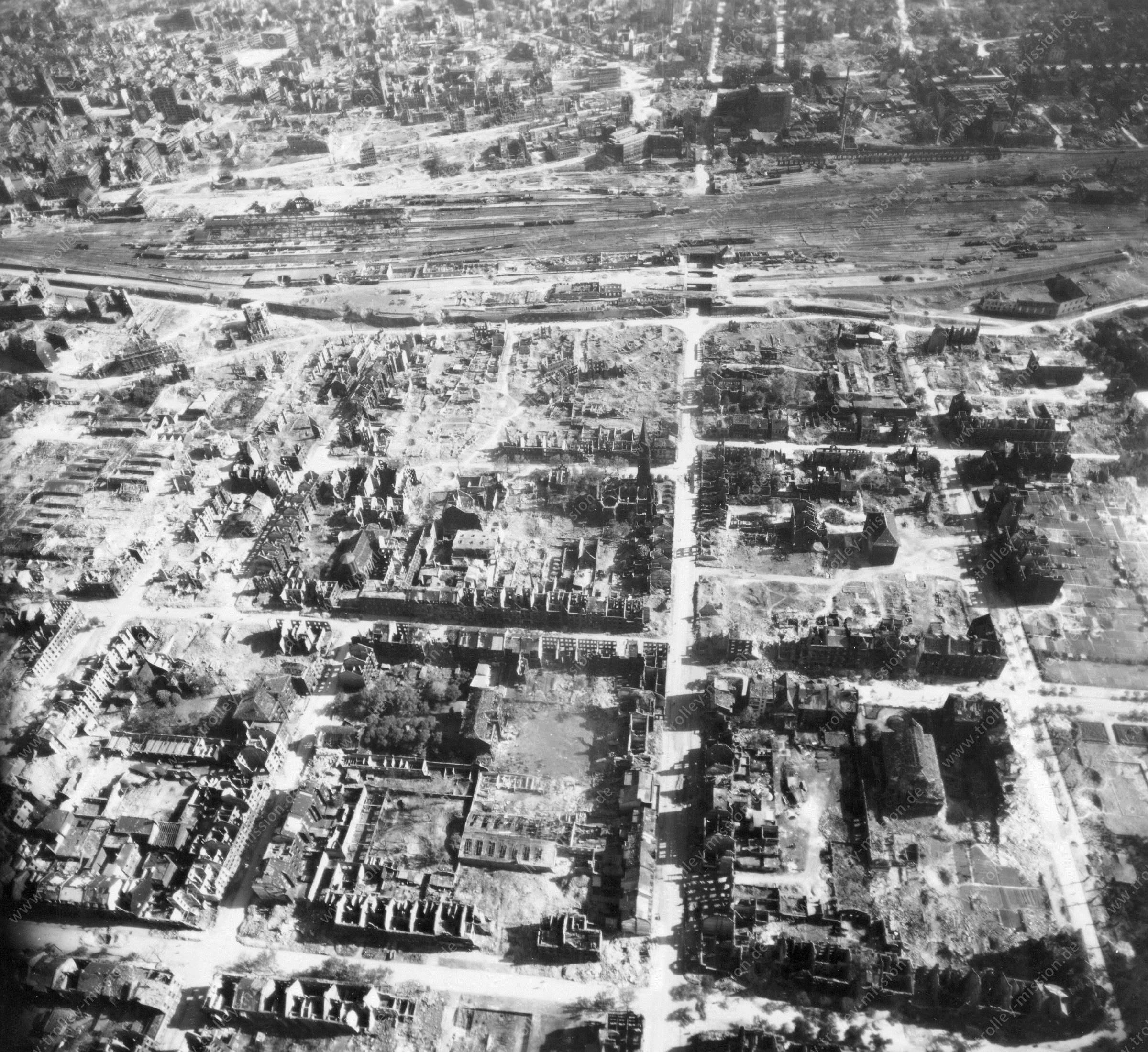 Luftbild von Dortmund am 12. Mai 1945 - Luftbildserie 1/4 der US Air Force