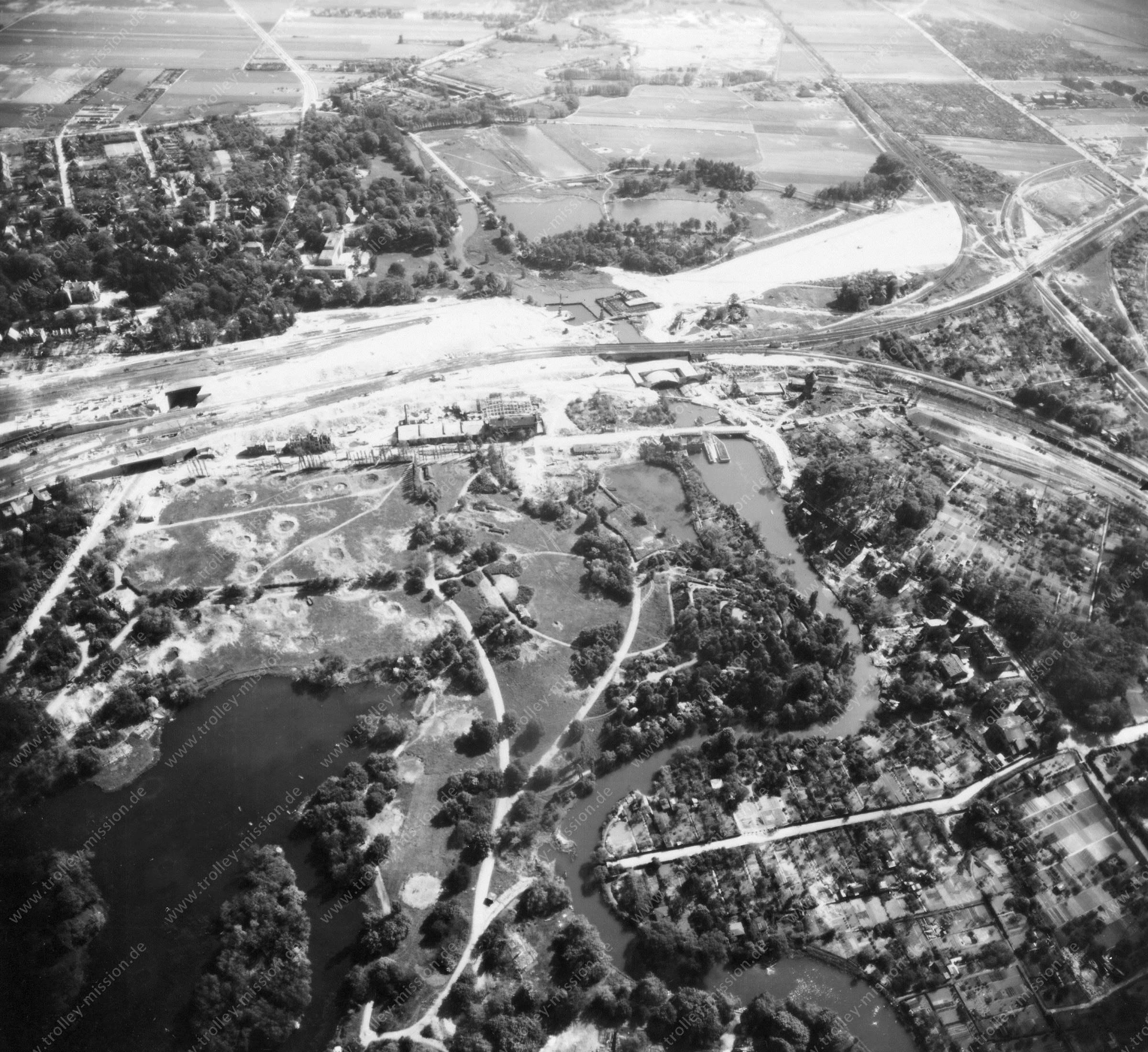 Luftbild von Braunschweig am 12. Mai 1945 - Luftbildserie 11/11 der US Air Force
