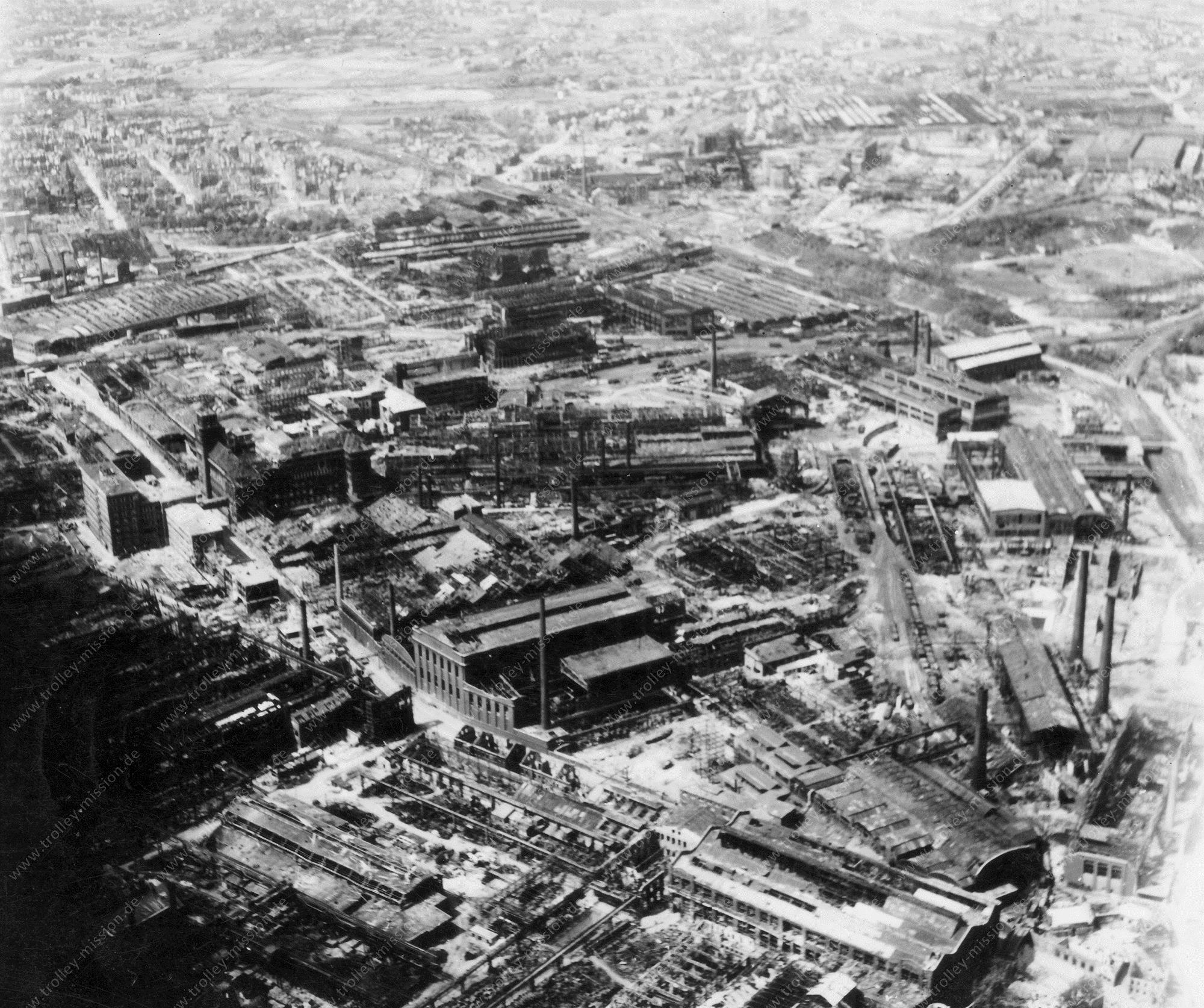 Essen Luftbild der zerbombten Fabrik- und Werkshallen von Krupp