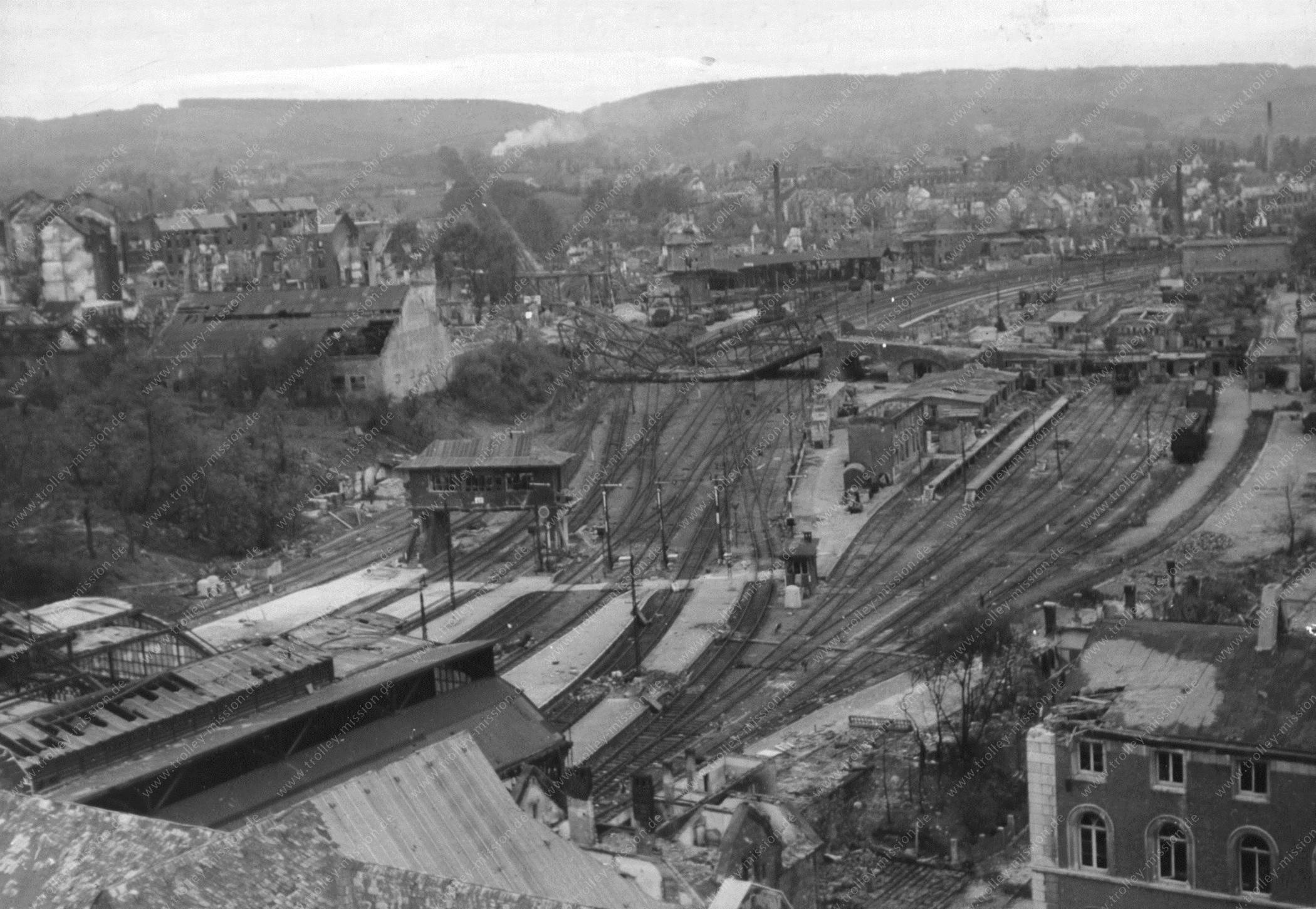 Aachen Hauptbahnhof nach den Weltkriegsbomben im Jahre 1945