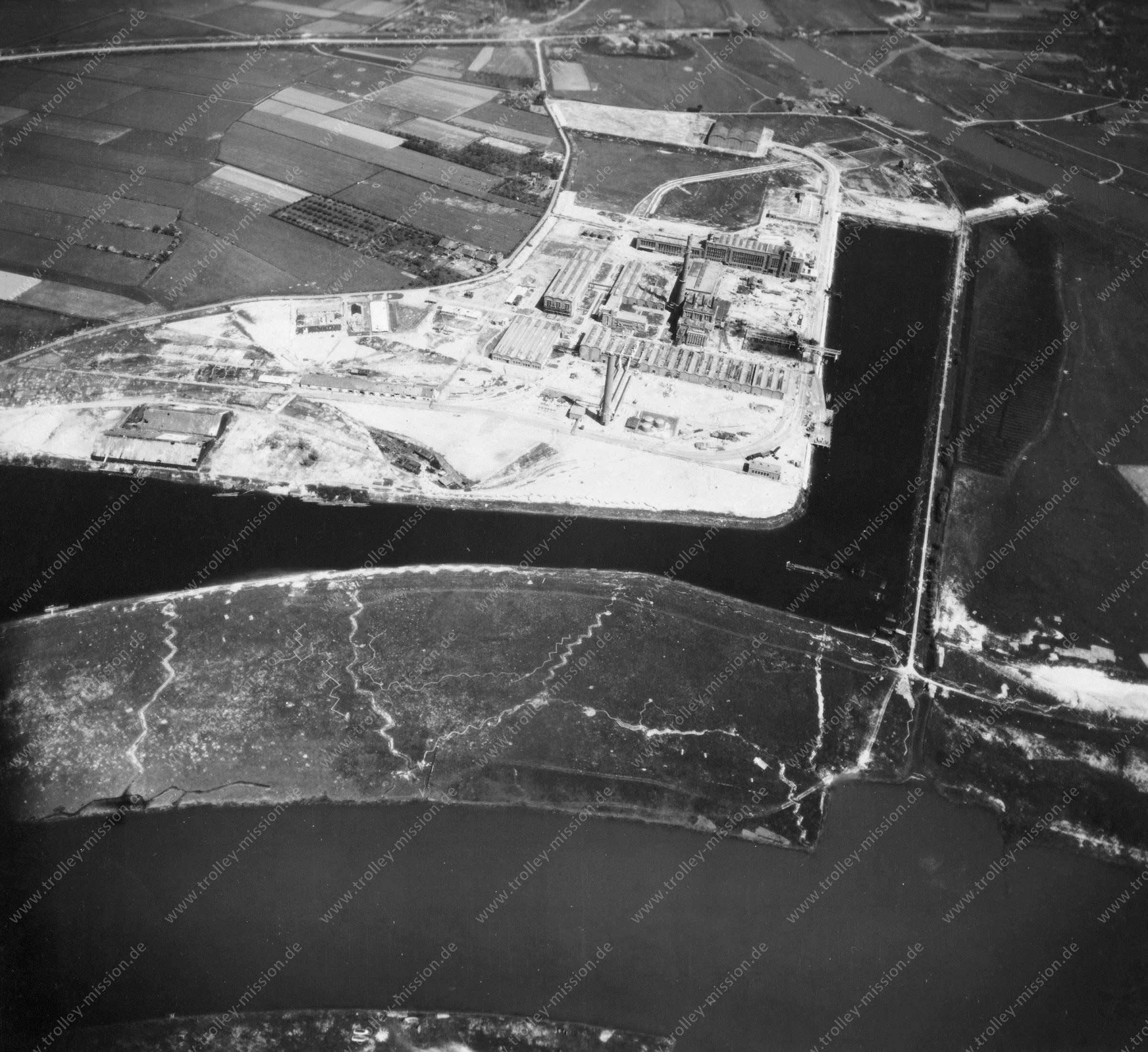 Nieuwe Haven Arnheim - Luftbild Mai 1945 - Luftbildserie 2/5 der US Air Force (Niederlande)