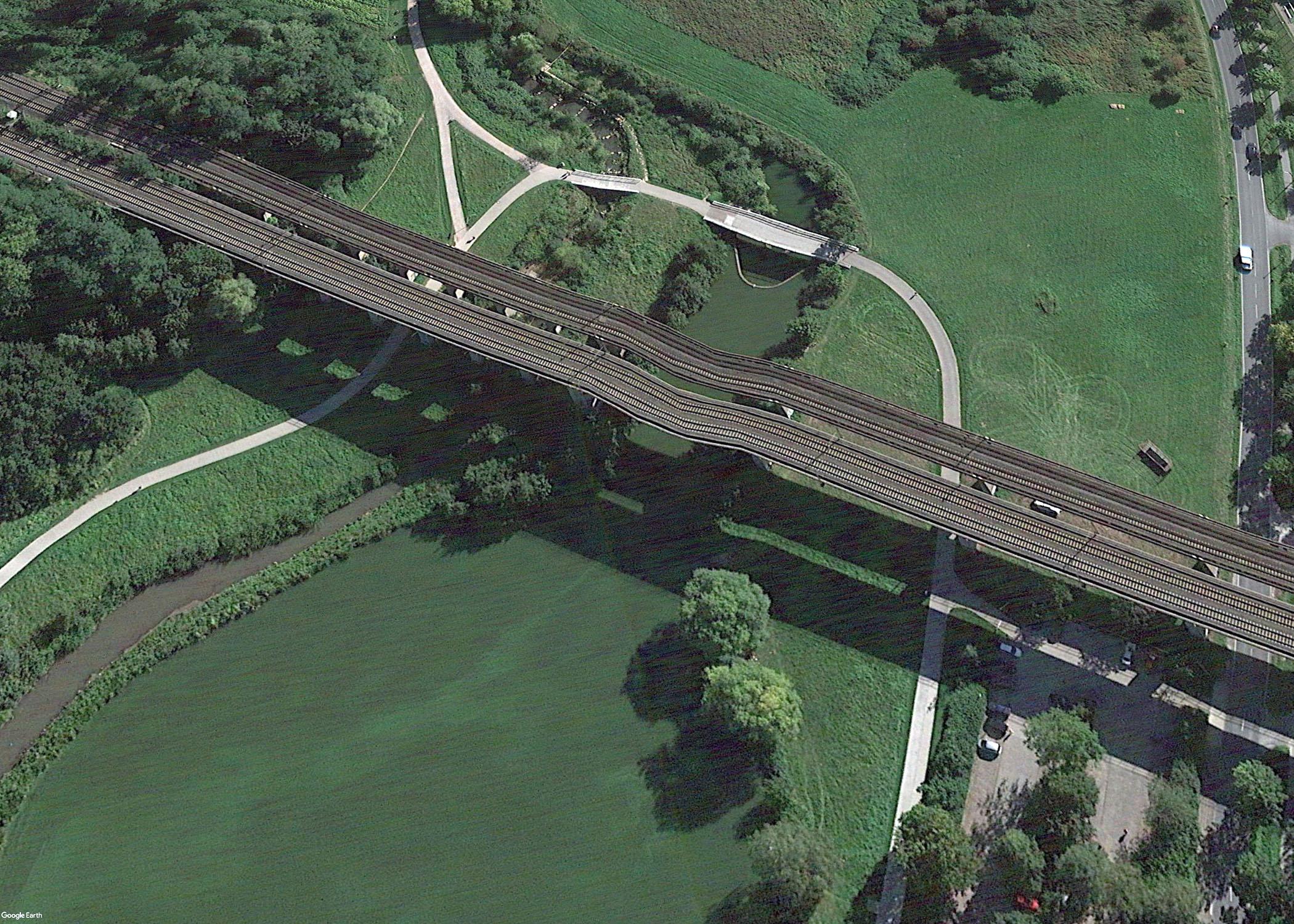 Google Earth: Bielefeld - Schildescher Viadukt - Aufgenommen aus Nordosten über dem heutigen Obersee