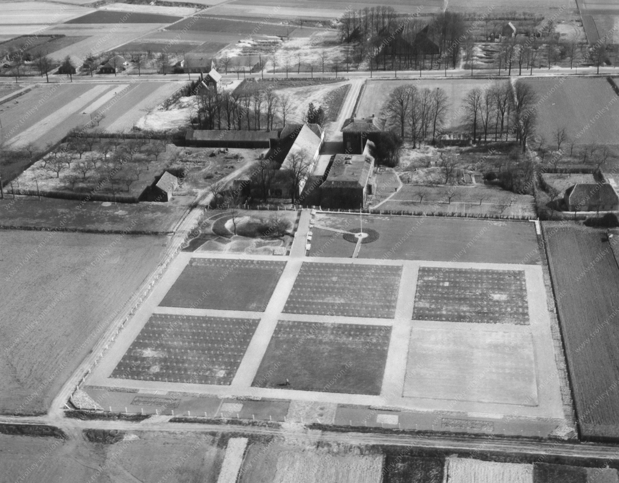Soldatenfriedhof in Molenhoek bei Nijmegen (Nimwegen) - Amerikaanse begraafplaats Molenhoek - United States Military Cemetery (Niederlande)