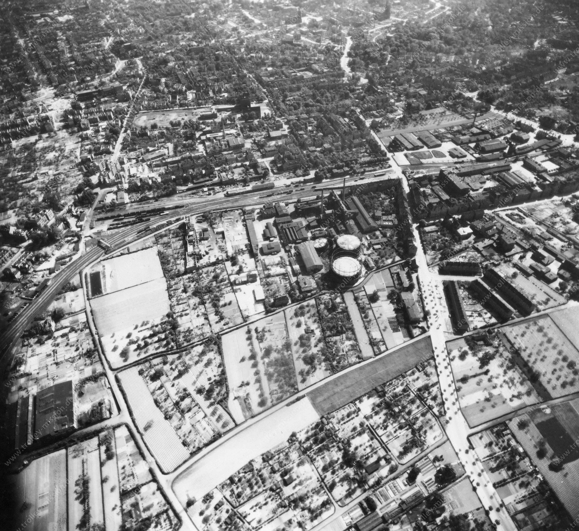 Luftbild von Braunschweig am 12. Mai 1945 - Luftbildserie 4/11 der US Air Force
